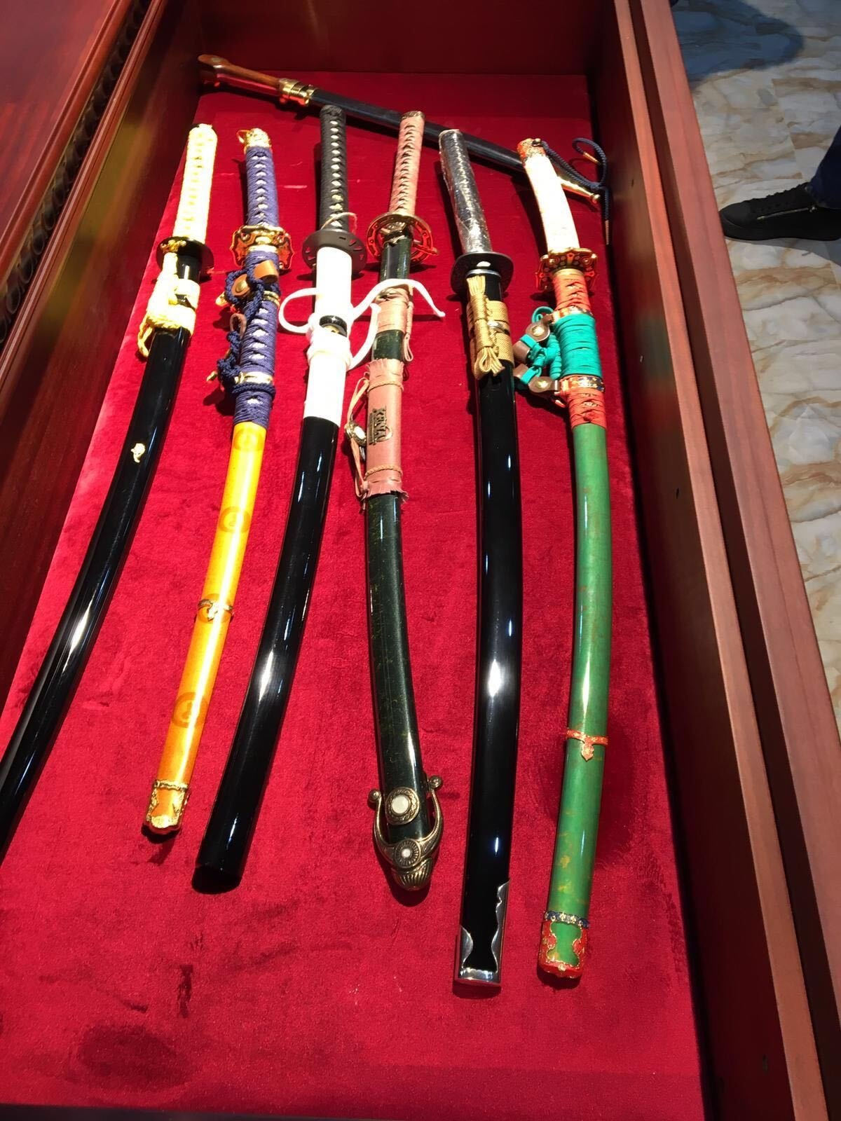 Swords seized from suspects. (Courtesy of the Interior Ministry)