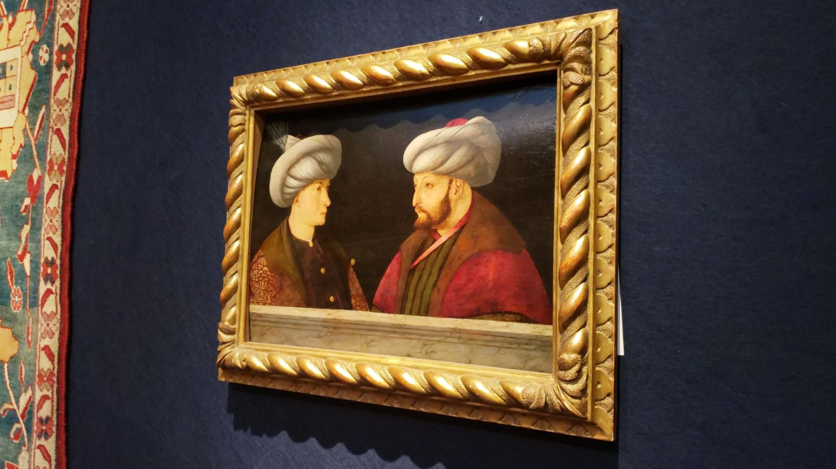 The purchased painting of the Sultan Mehmed II on the wall. ( DHA PHOTO)