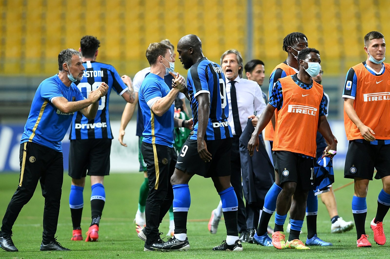 Inter Milan manager Gabriele Oriali with players after the Serie A match in Parma, Italy, June 28, 2020. (Reuters Photo)