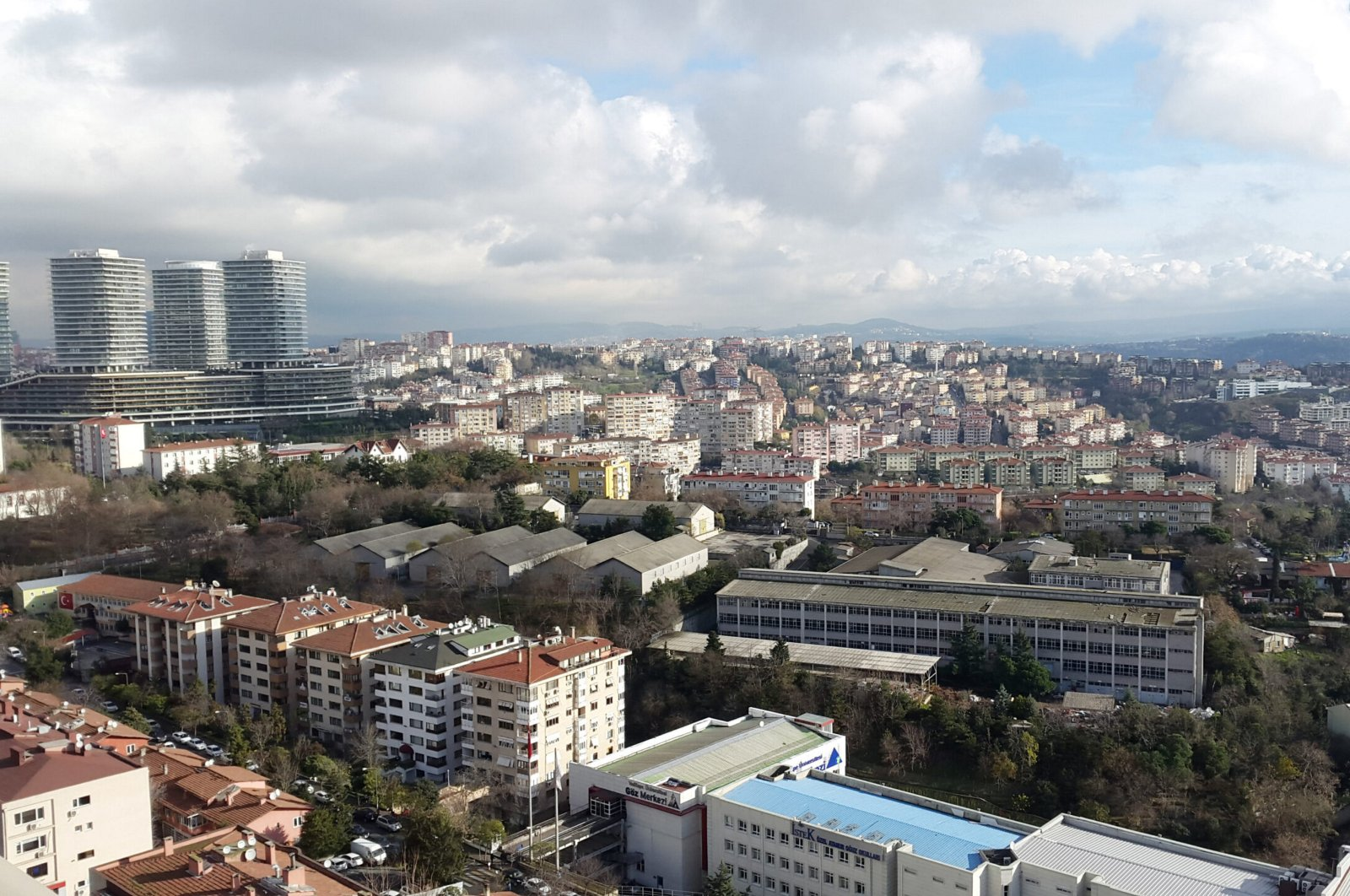 An aerial view of residential and commercial buildings in Istanbul's Beşiktaş district, Turkey. (Sabah Photo)