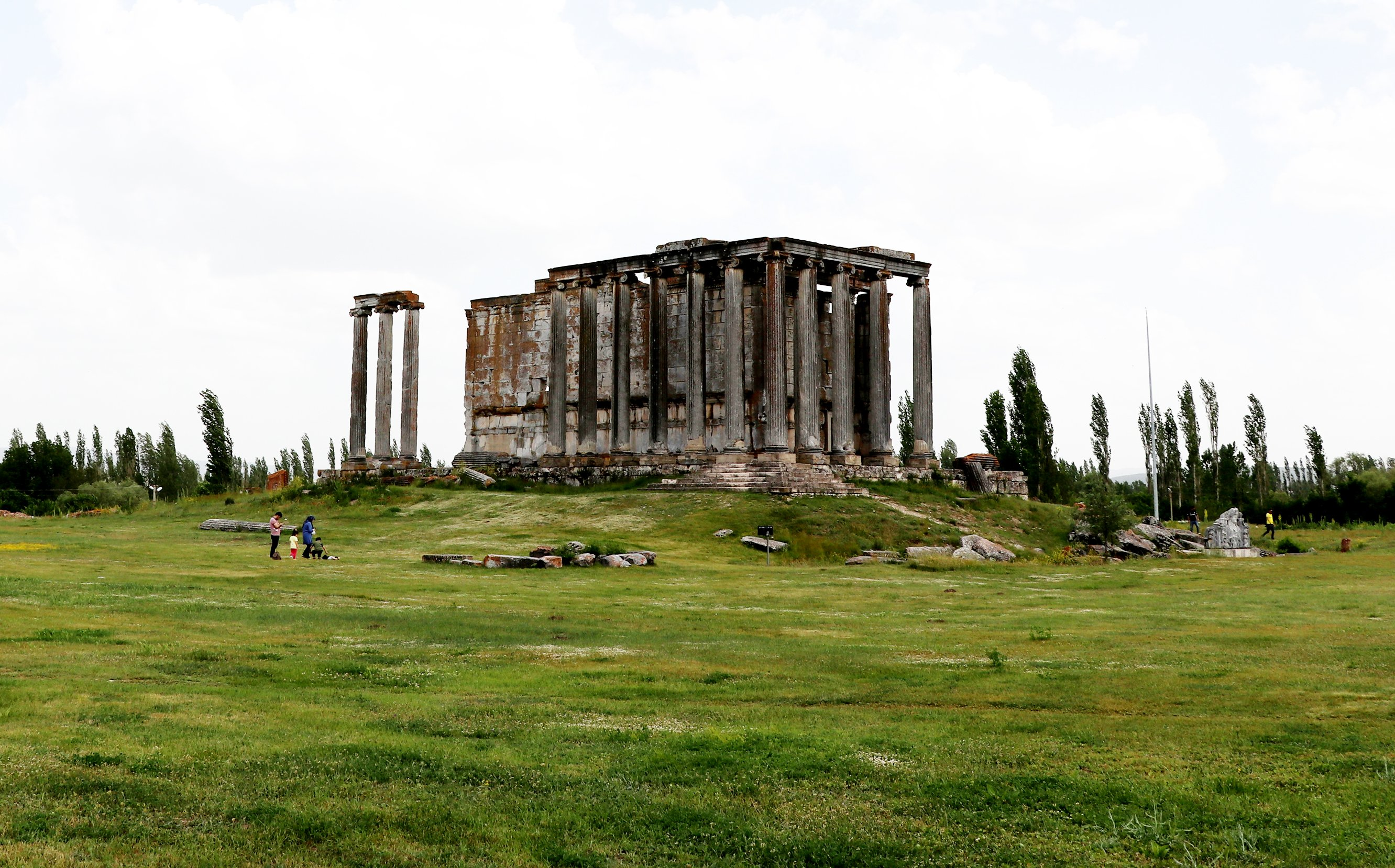 The ancient site experienced its golden age in the second and third centuries. (AA Photo)