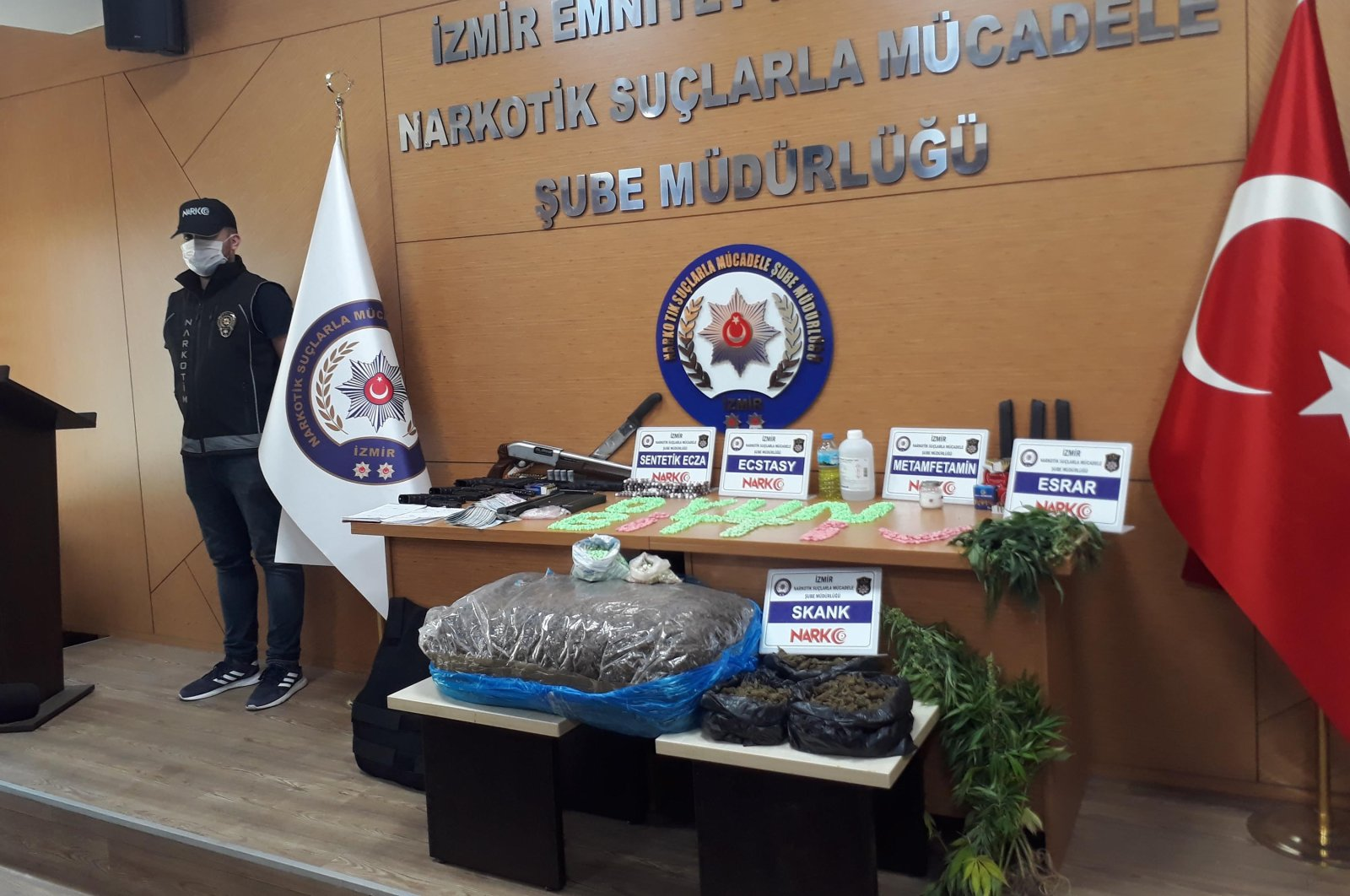 Drugs seized from the gang on display in Izmir Police Department on July 3, 2020 (DHA Photo)