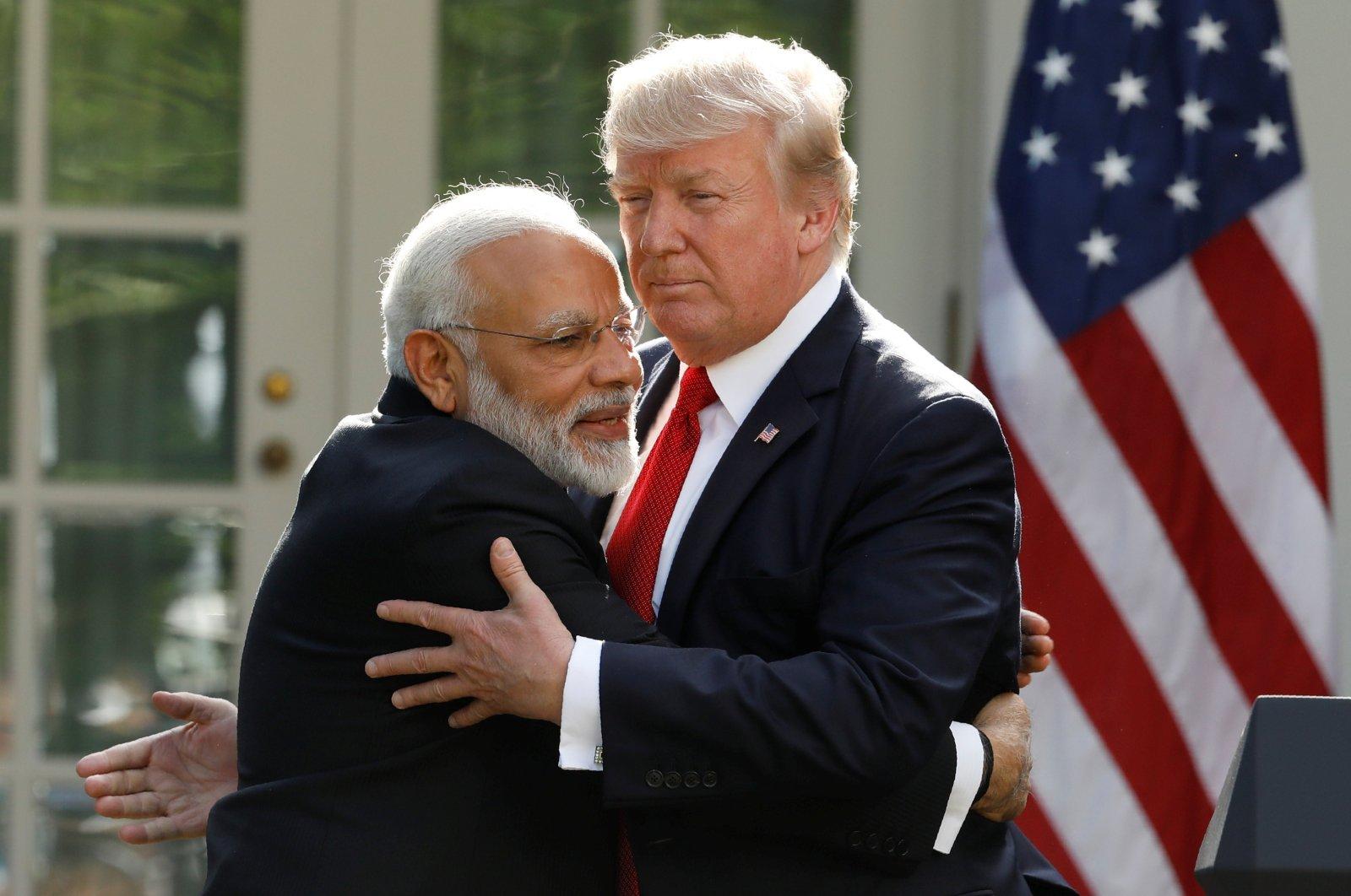 India's Prime Minister Narendra Modi hugs U.S. President Donald Trump in the Rose Garden of the White House, Washington, D.C., June 26, 2017. (REUTERS Photo)