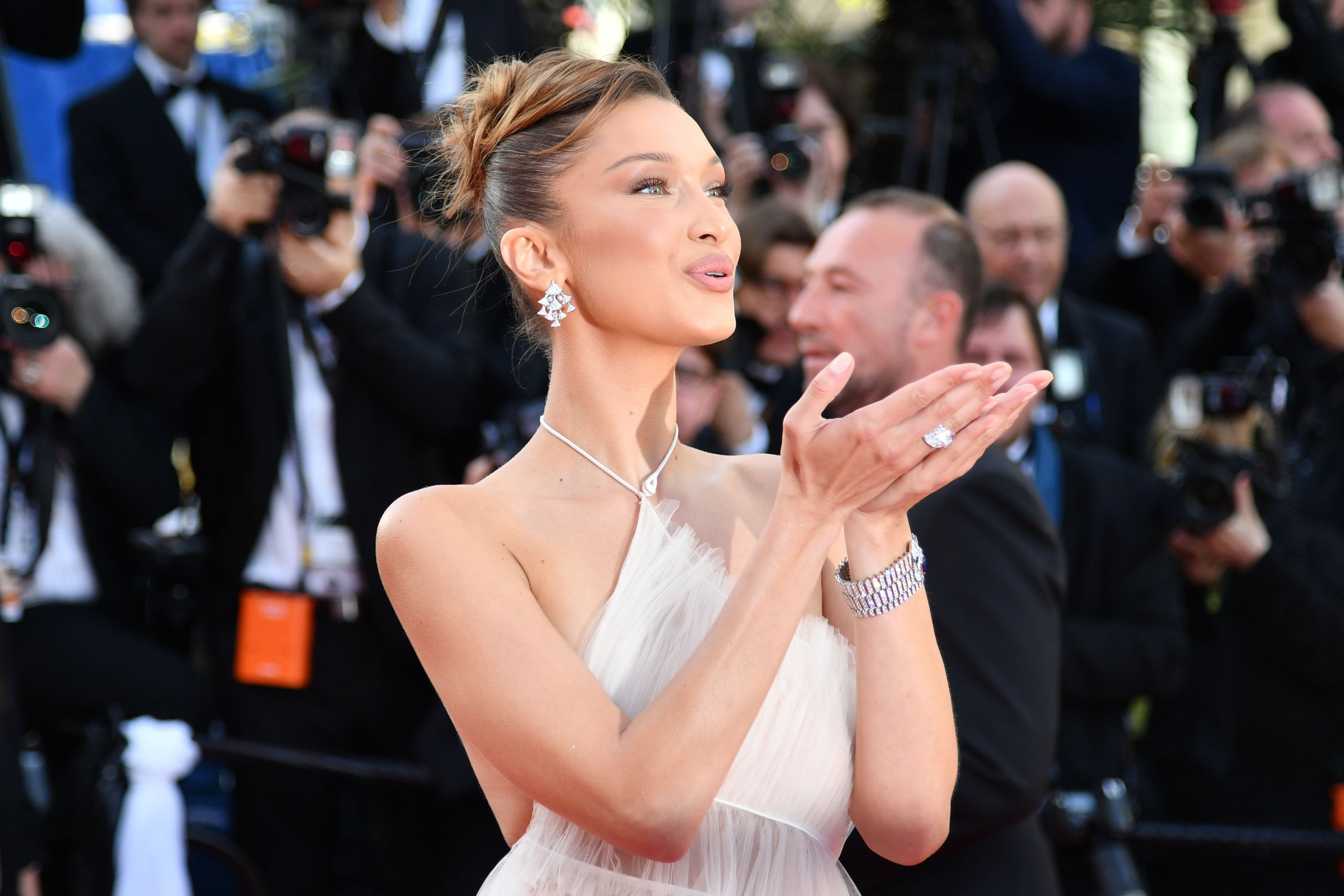 """Bella Hadid accuses Instagram of bullying after removing her """"Proud  Palestinian"""" post 