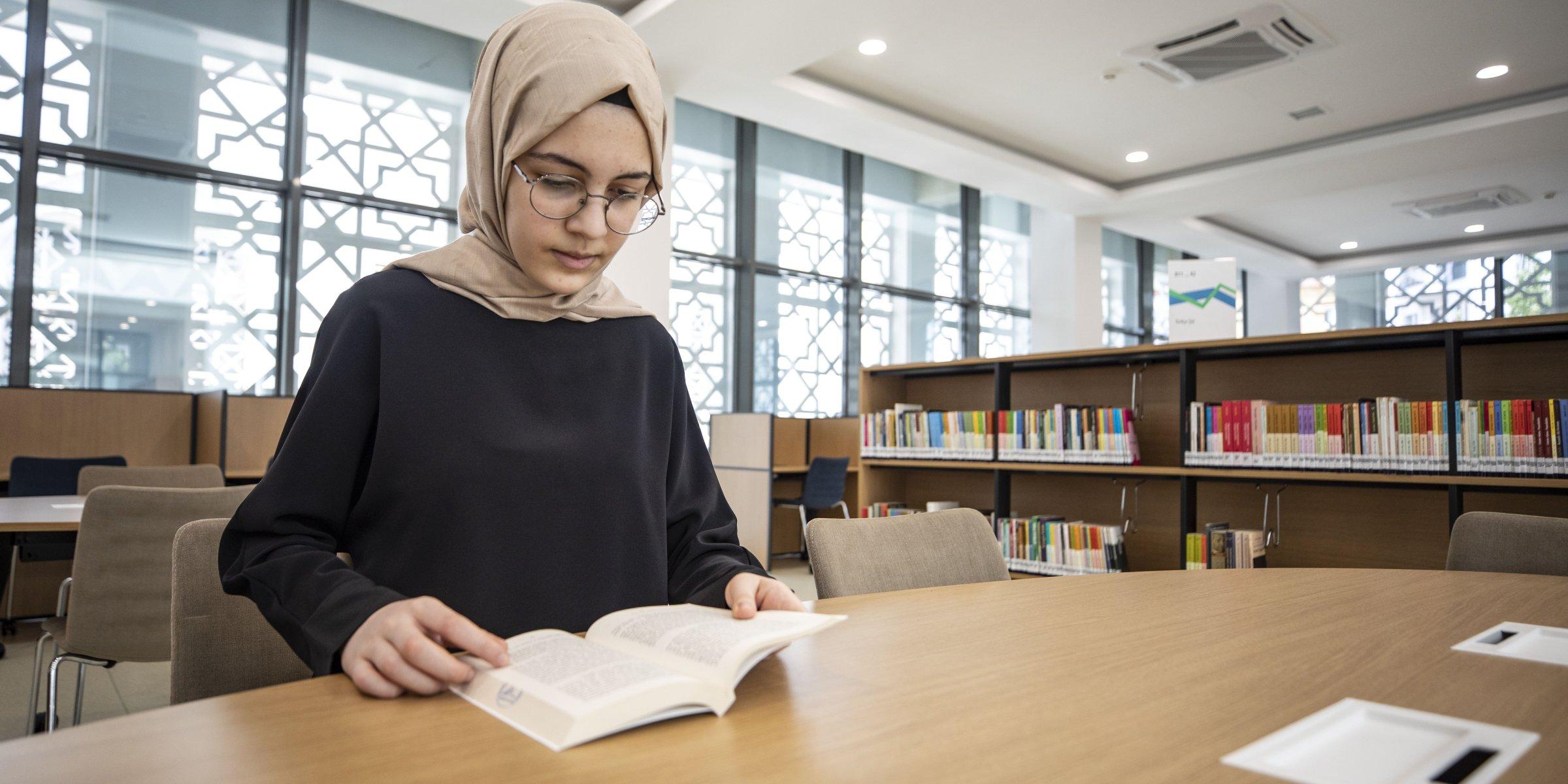 15 yaşındaki Türk kızı 5 yabancı dil biliyor
