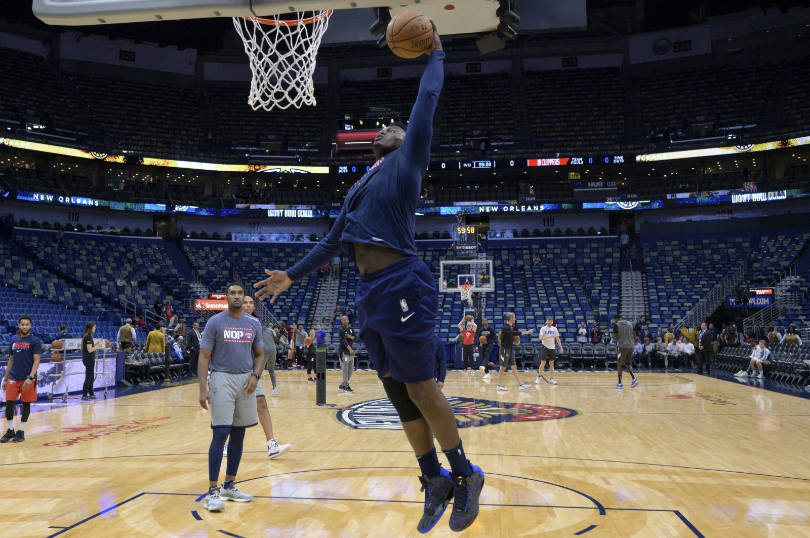 New Orleans Pelicans forward Zion Williamson practices before an NBA basketball game in New Orleans, U.S., Jan. 18, 2020. (AP Photo)