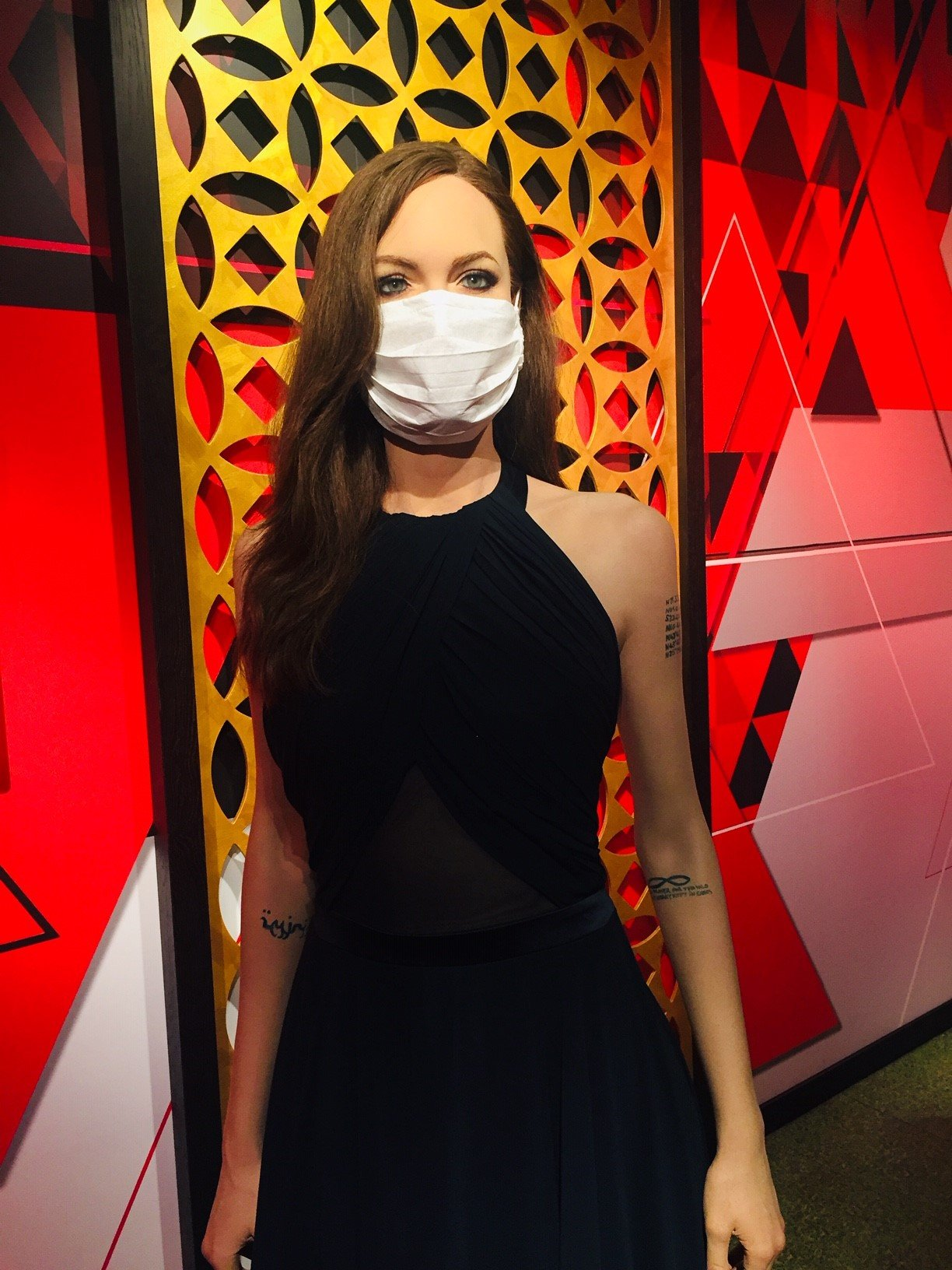 Angelina Jolie's wax figure wears a mask at the museum in Istanbul, Turkey, July 8, 2020. (AA Photo)