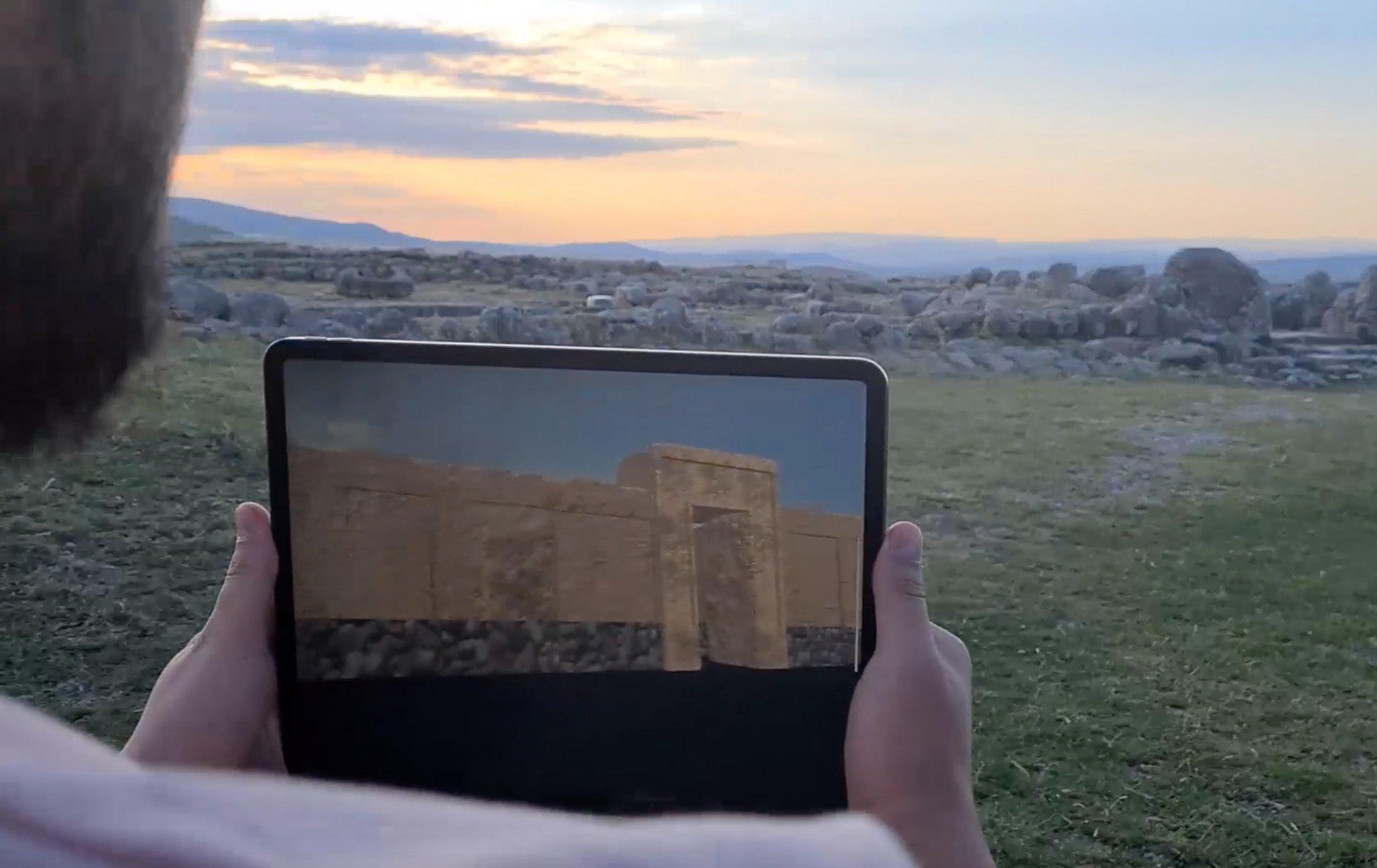 Les gens pourront visiter 10 sites à Hattusa via l'application.  (PHOTO AA)