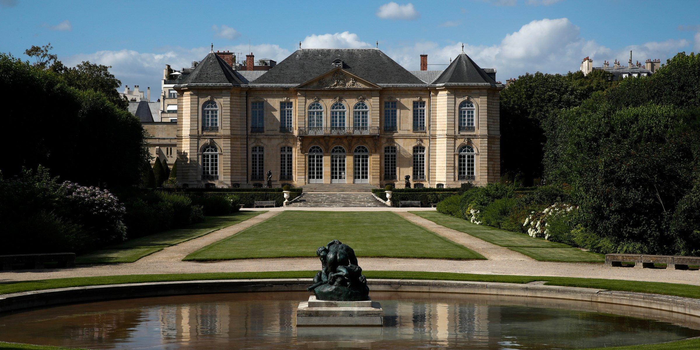 Fransız Rodin Müzesi COVID-19 krizinin ortasında bronz heykeller satıyor