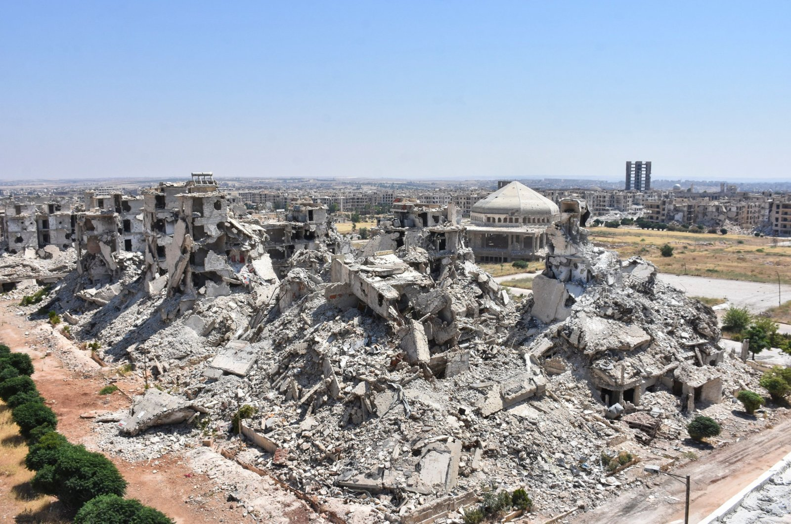 A general view shows al-Zahraa neighbourhood of Aleppo destroyed following years of conflict in Syria, July 6, 2020. (AFP Photo)