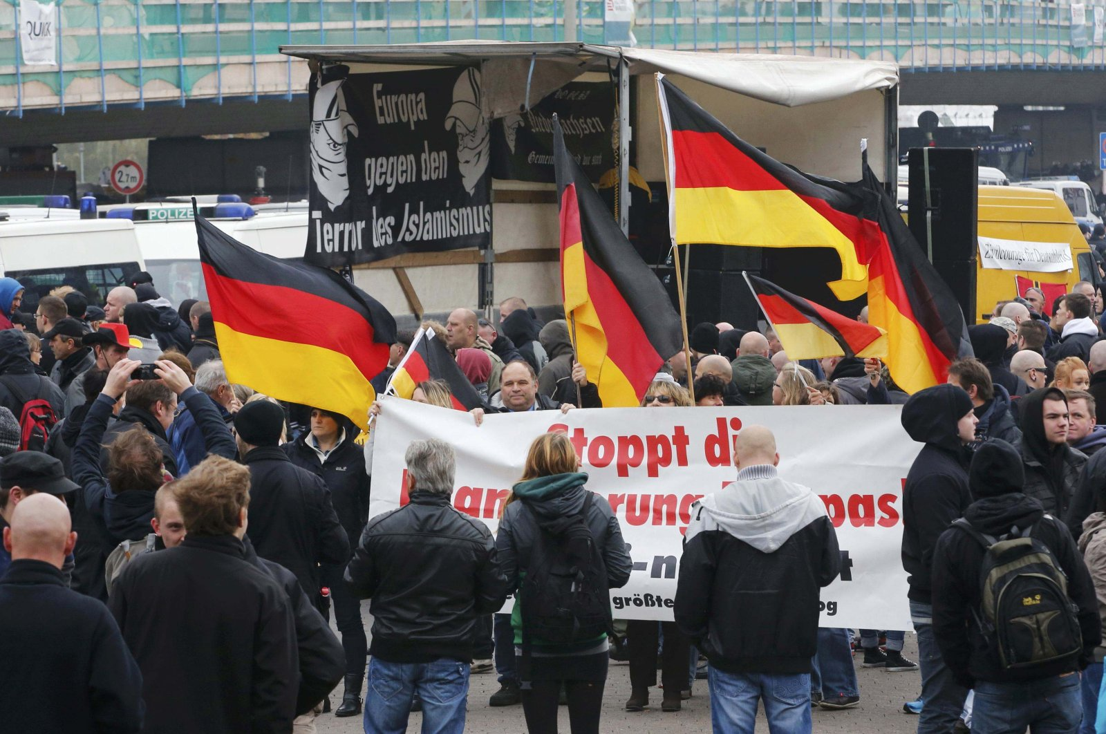 A demonstration by neo-Nazis and self-styled soccer hooligans in Hanover, Germany, Nov. 15, 2014. (Reuters Photo)