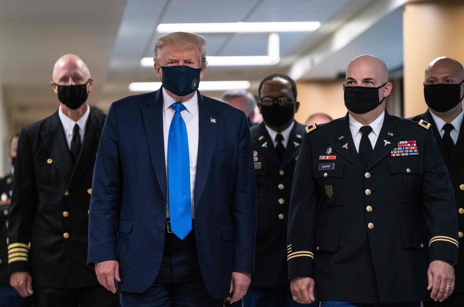 U.S. President Donald Trump wears a mask as he visits Walter Reed National Military Medical Center in Bethesda, Maryland, U.S., July 11, 2020. (AFP Photo)