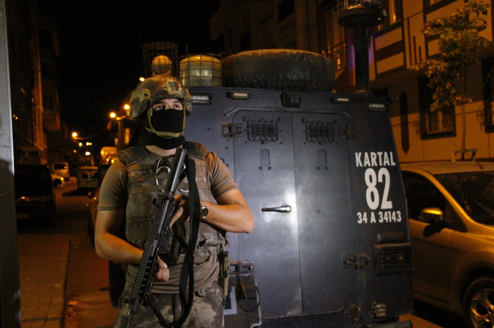 The Istanbul Police Department conducts a simultaneous operation across the province against terrorist organizations, July 9, 2020 (AA Photo)