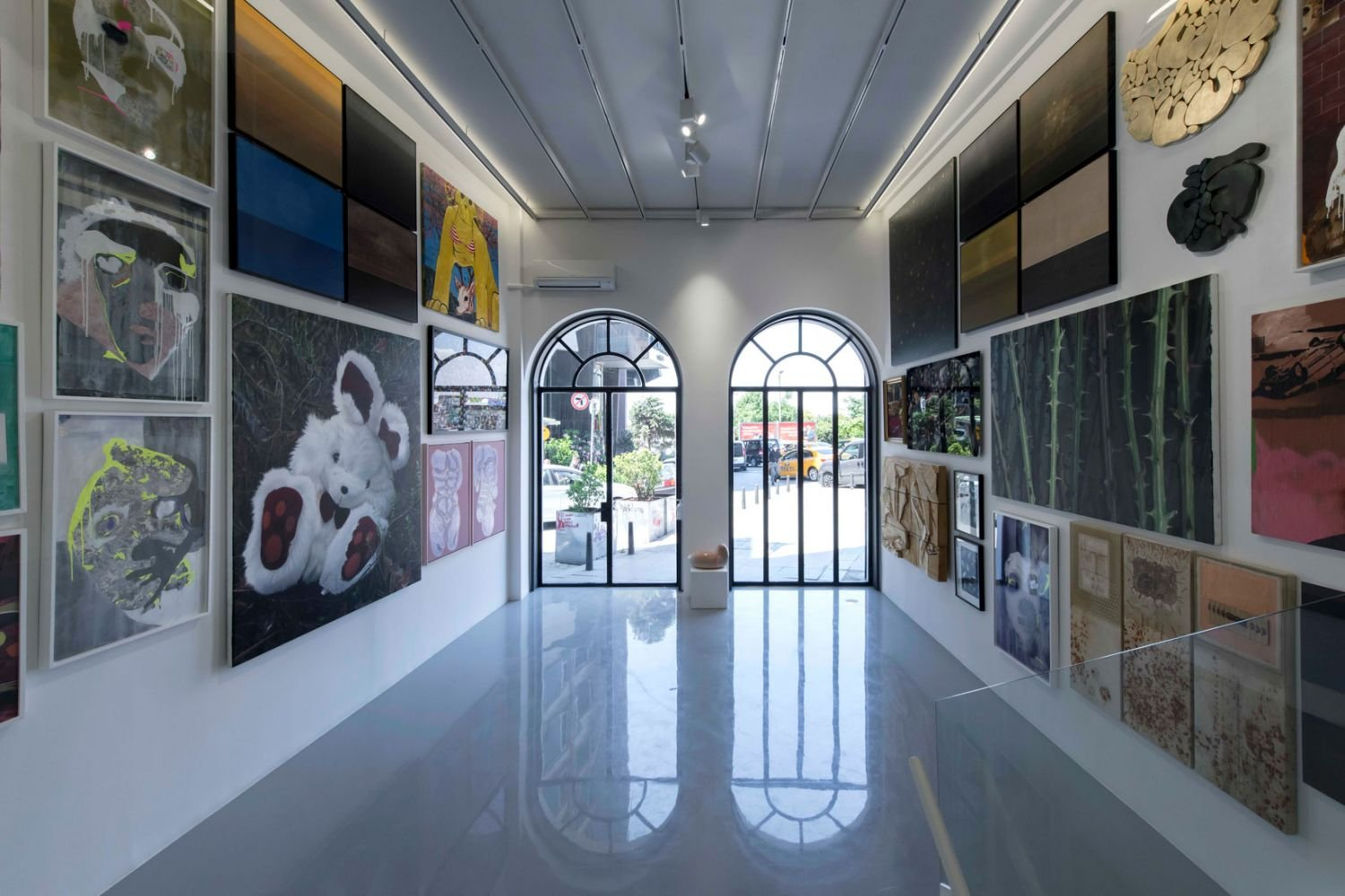 The exhibition emphasizes the summer season which comes as an award after the difficult pandemic period in its title.