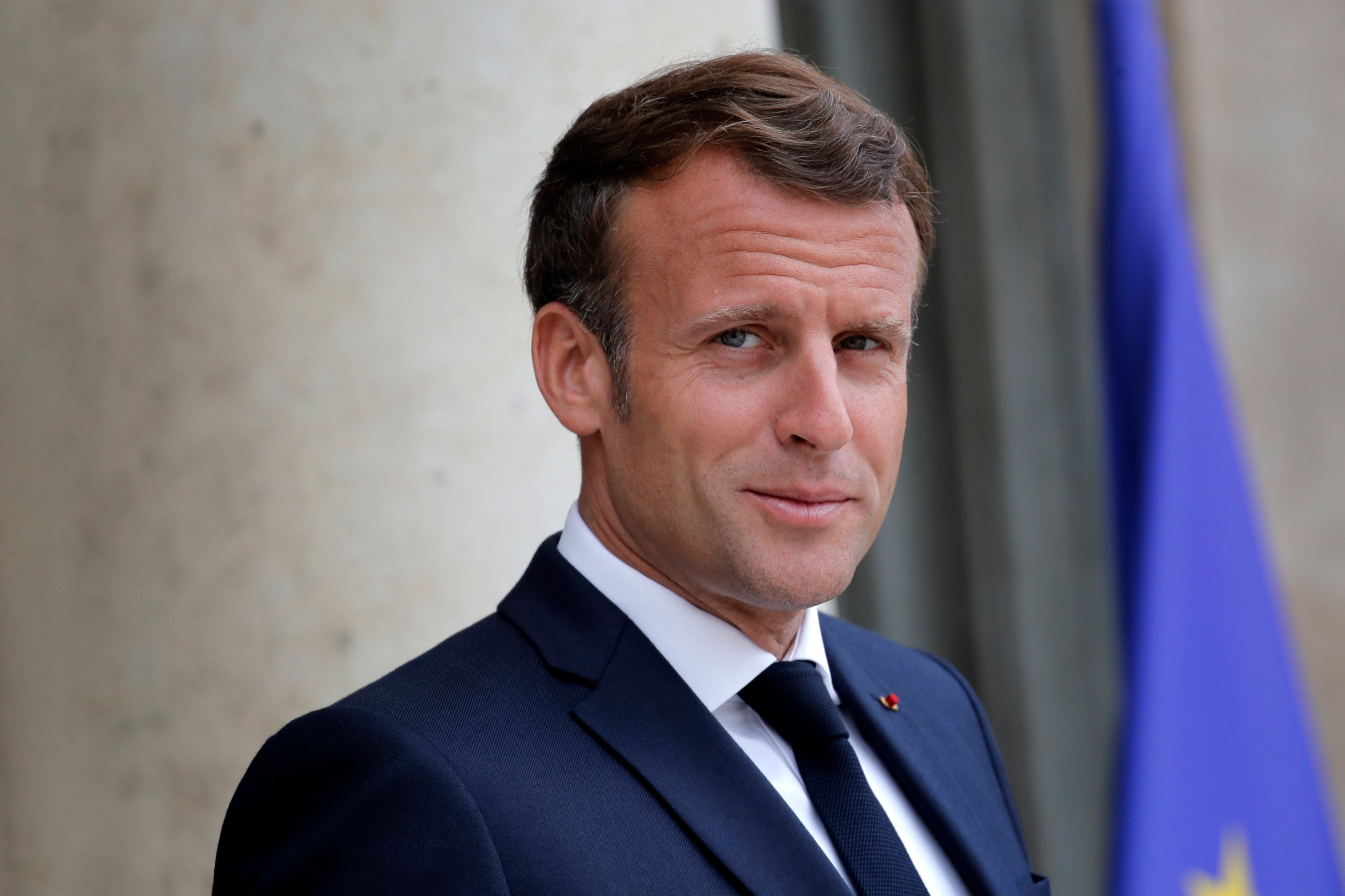 Protesters Confront French President Macron Chant Resign Daily Sabah