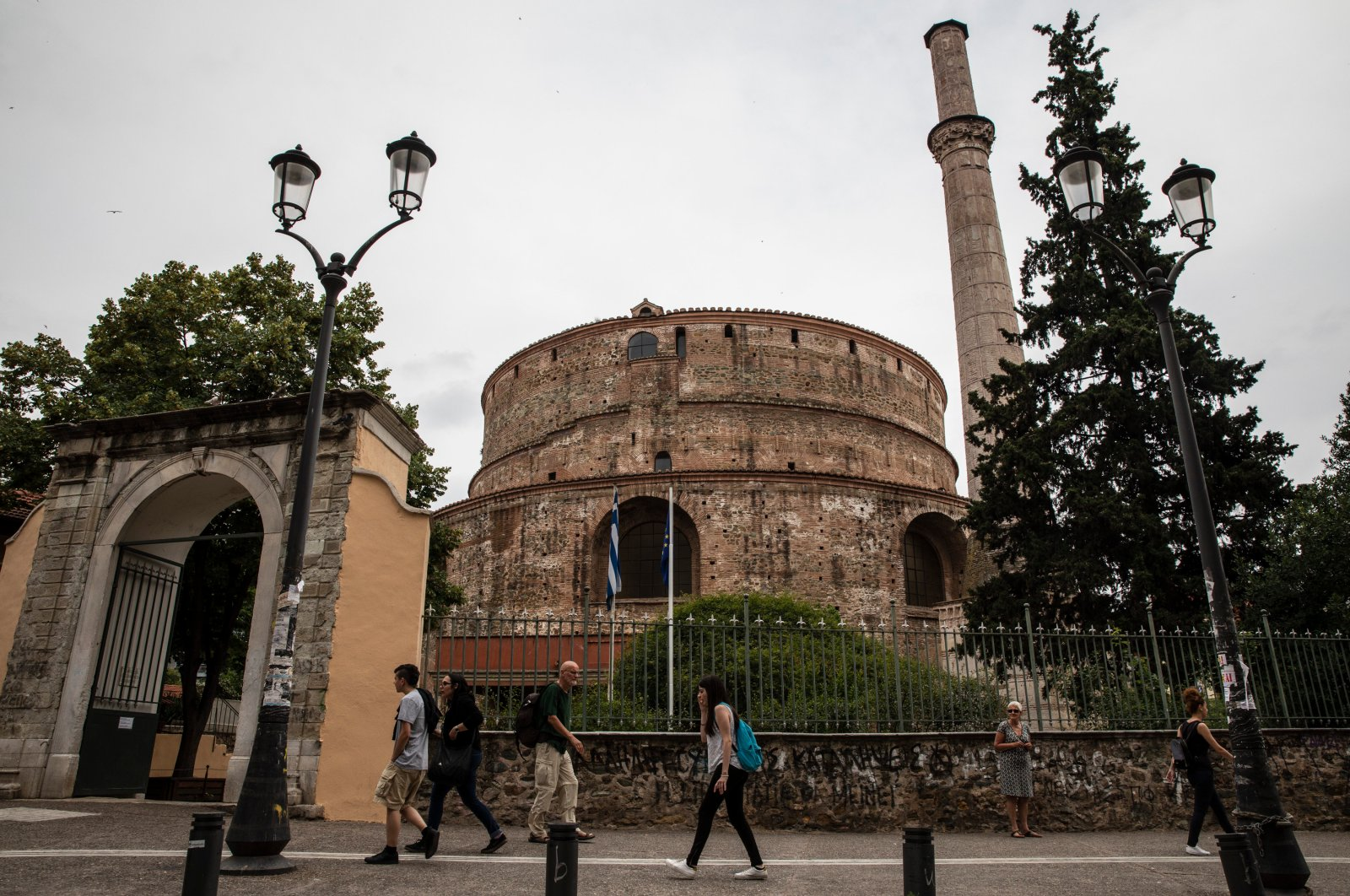 A view of the Sultan Hortac Mosque in Greece's Thessaloniki, which is not open to worship despite its good condition. (DHA)
