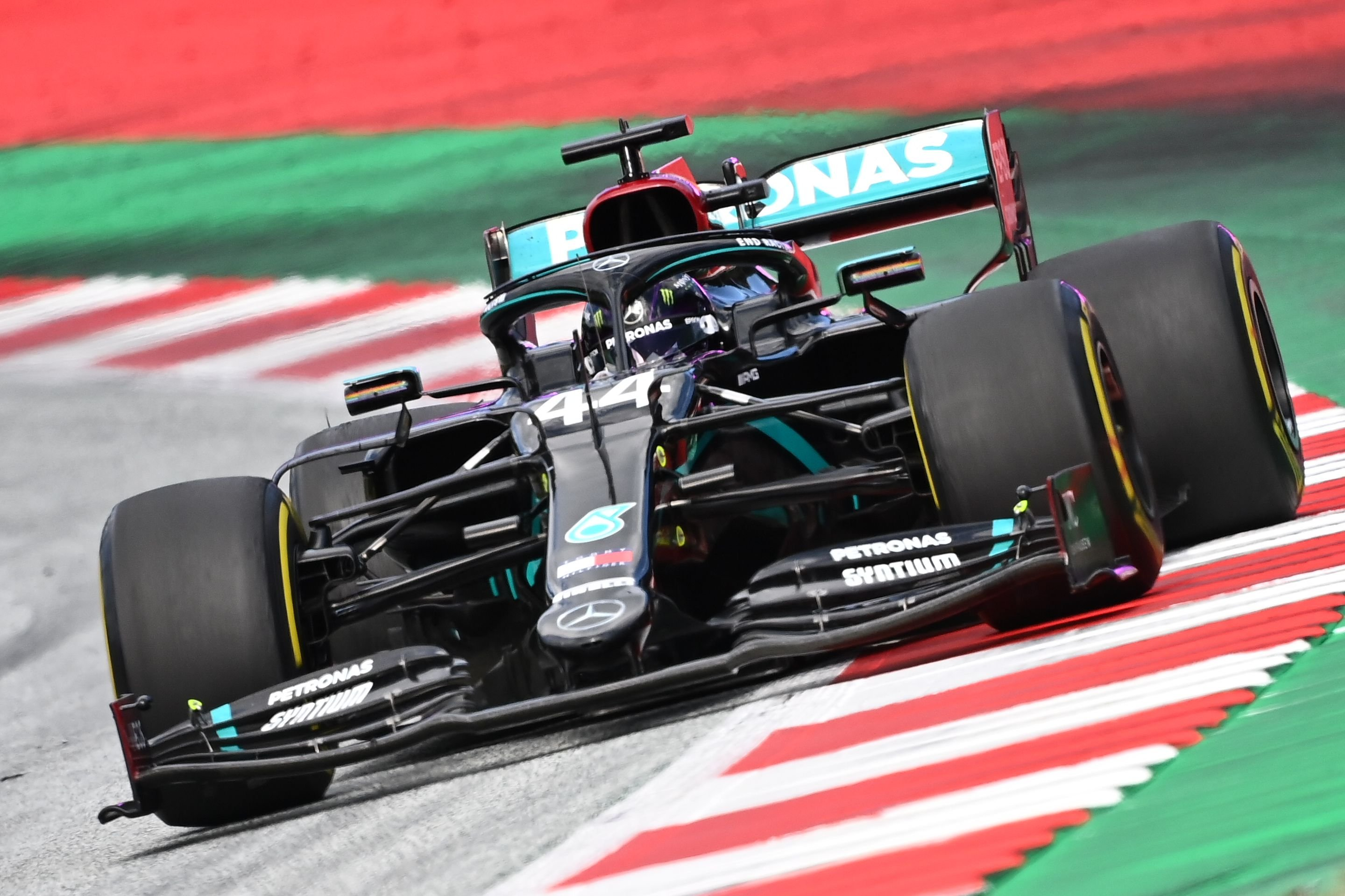 Hamilton Eyes Equaling Schumacher S Track Record In Hungarian Gp Daily Sabah