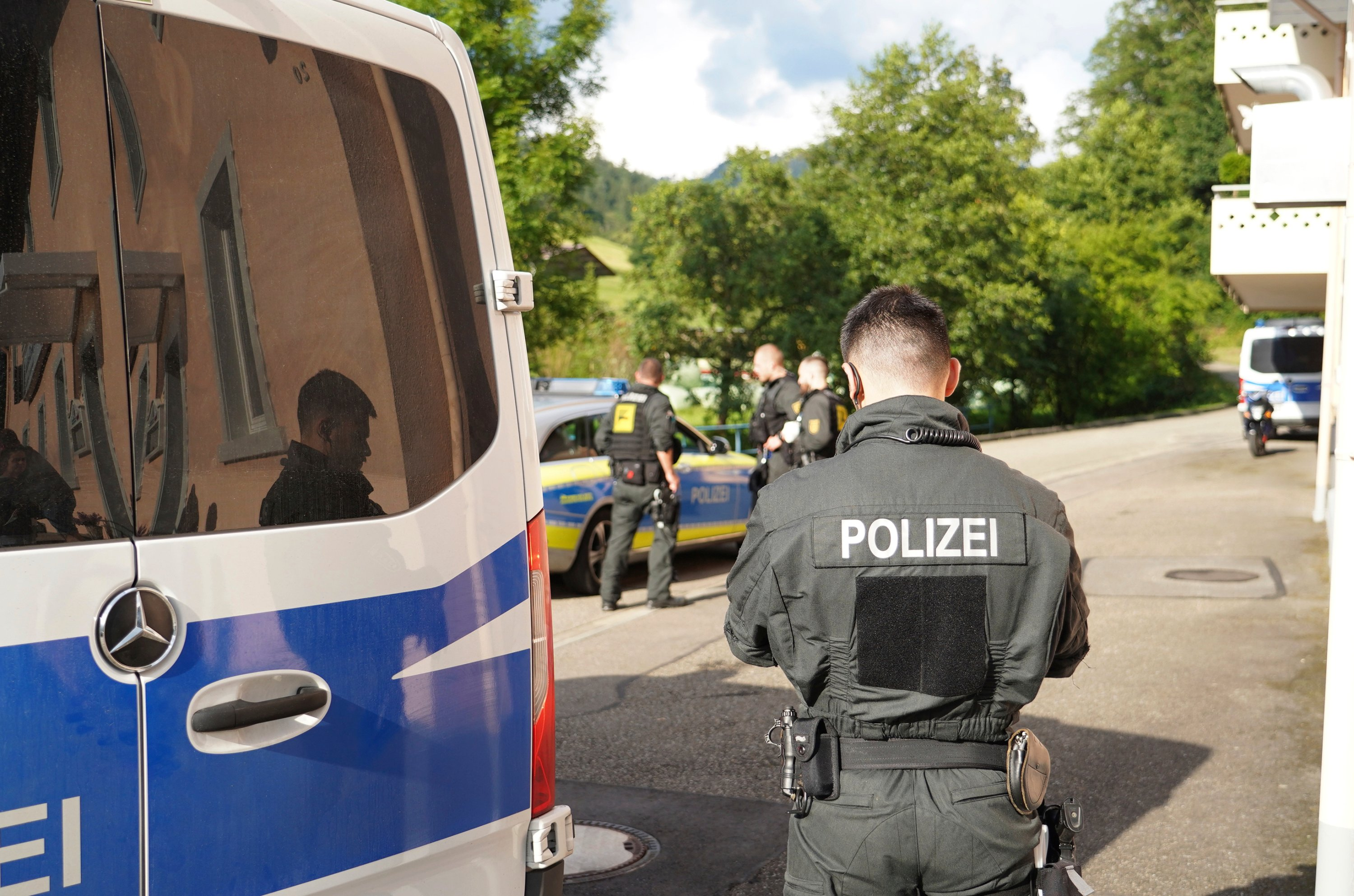 Violence Erupts At Corona Party In Germany Dozens Arrested Daily Sabah