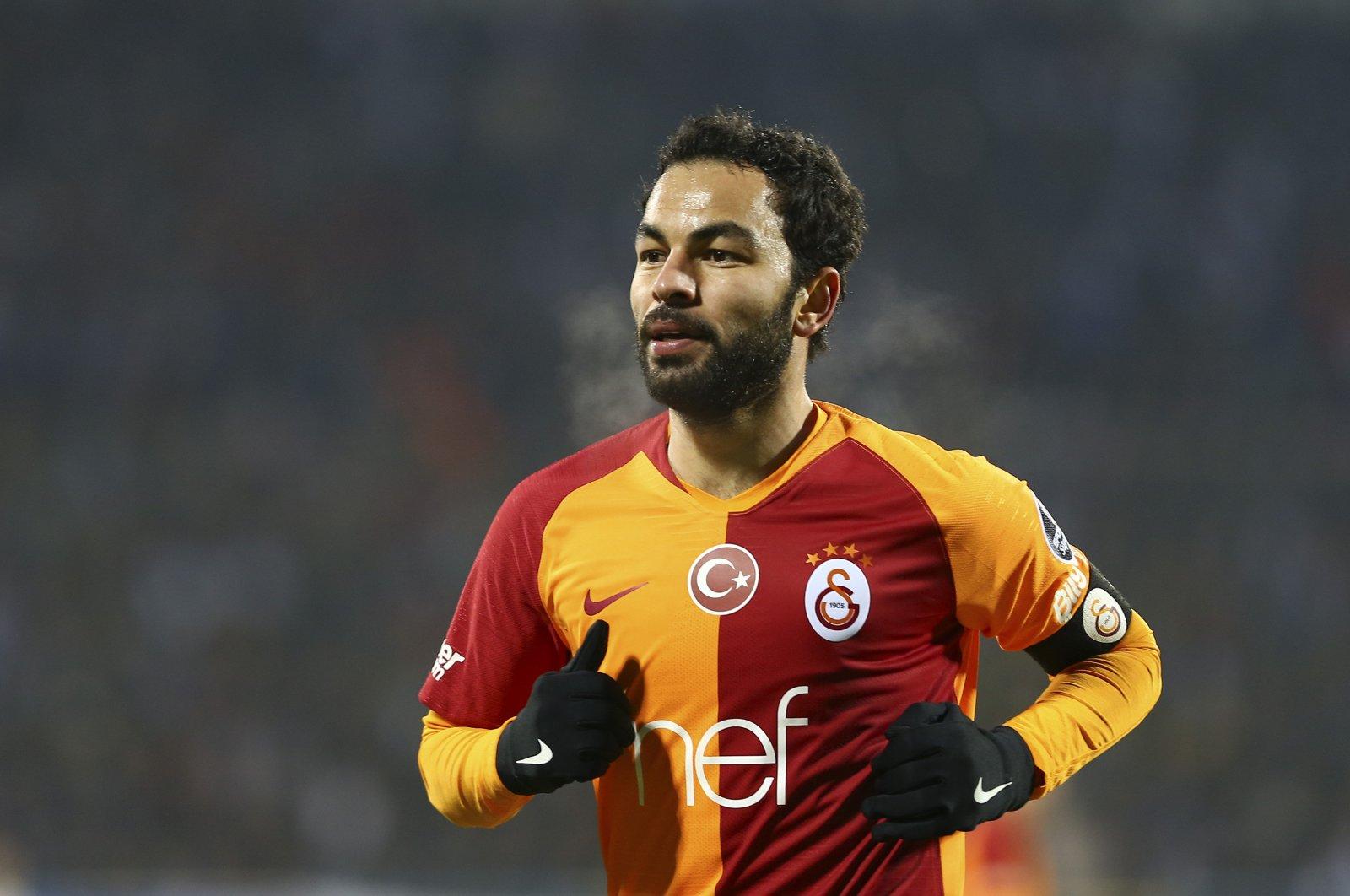 Selçuk Inan runs during a match against Erzurumspor, Erzurum, Turkey, March 3, 2019. (AA Photo)