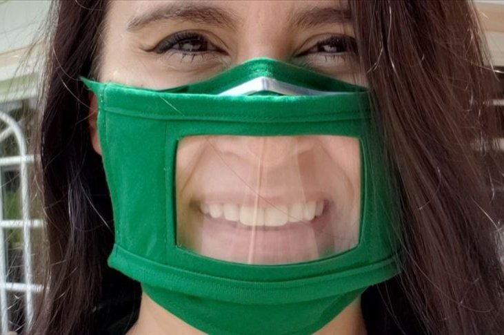 Aslı Mühürhancı Knowles poses with her new mask, in Florida, U.S., July 19, 2020. (AA Photo)