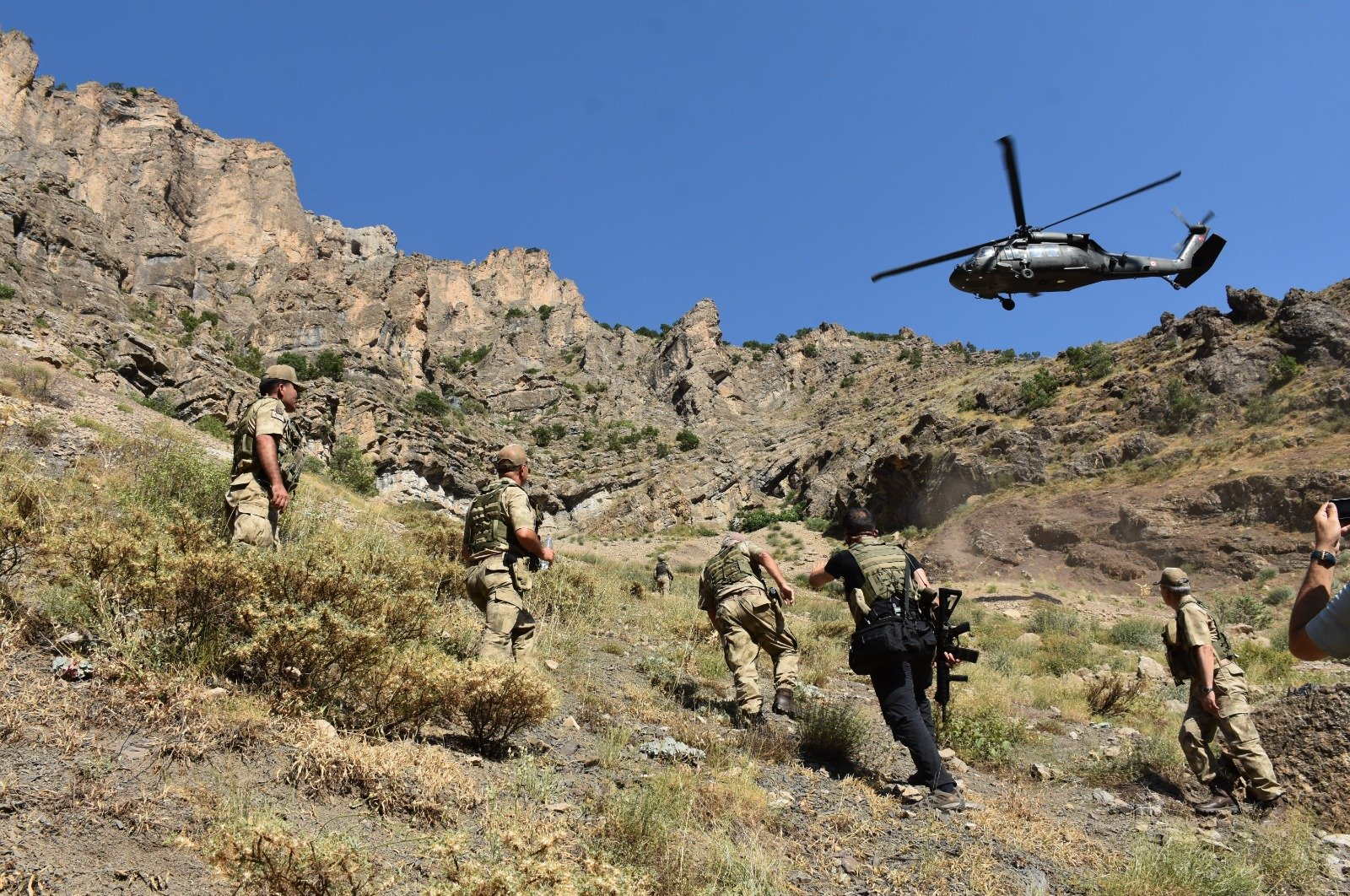 Turkish soldiers operate in Hakkari as part of the newly launched Operation Lightning-Cilo 2, July 20, 2020. (AA)