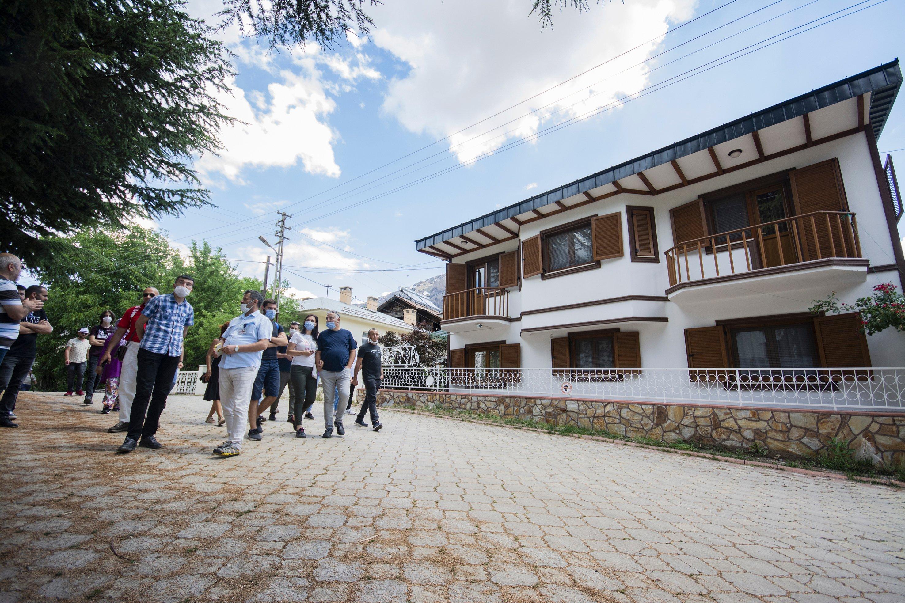 Visitors are seen in the Tamzara neighborhood, Giresun, northern Turkey, July 18, 2020. (AA Photo)