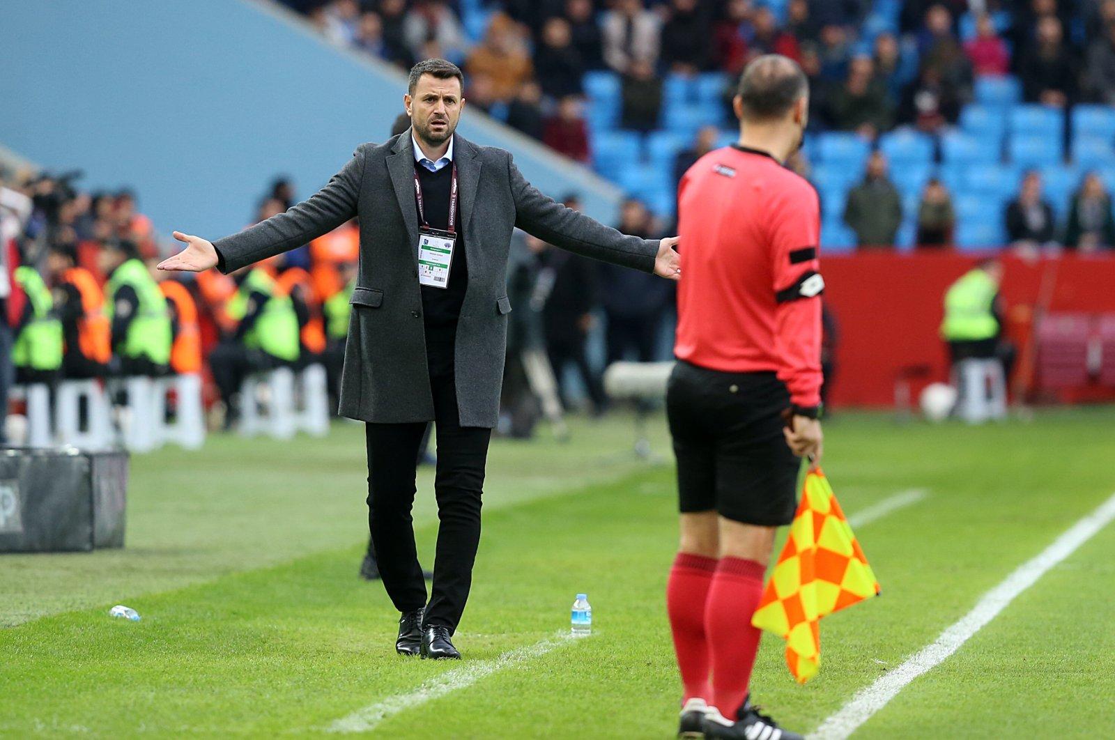 Trabzonspor coach Hüseyin Çimşir reacts during a Süper Lig match in Trabzon, northern Turkey, Jan. 19, 2020. (AA Photo)