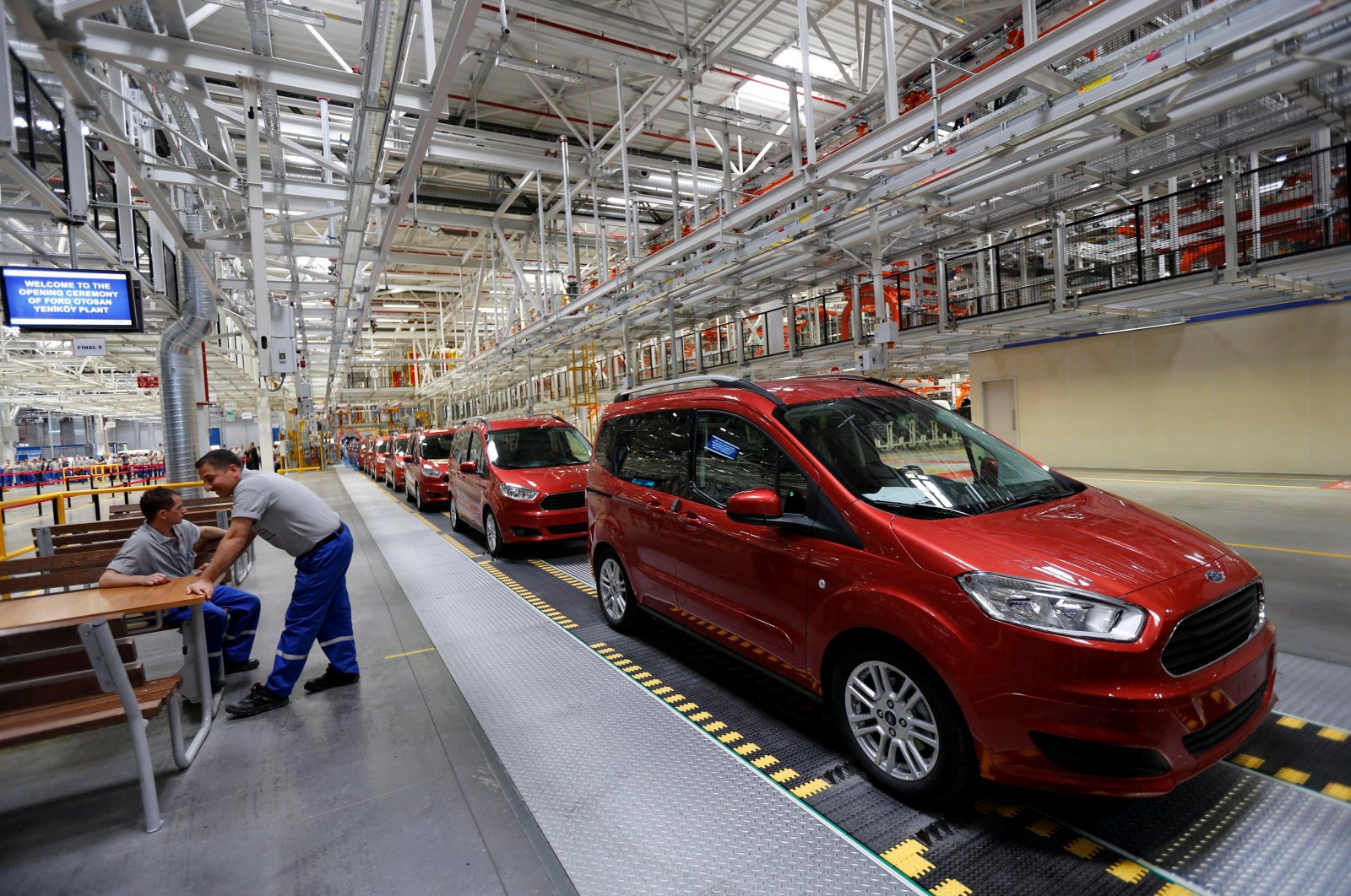 Ford Tourneo Courier light commercial vehicles are pictured at the Ford Otosan Yeniköy Factory in Kocaeli province, northwestern Turkey, May 22, 2014. (Reuters Photo)