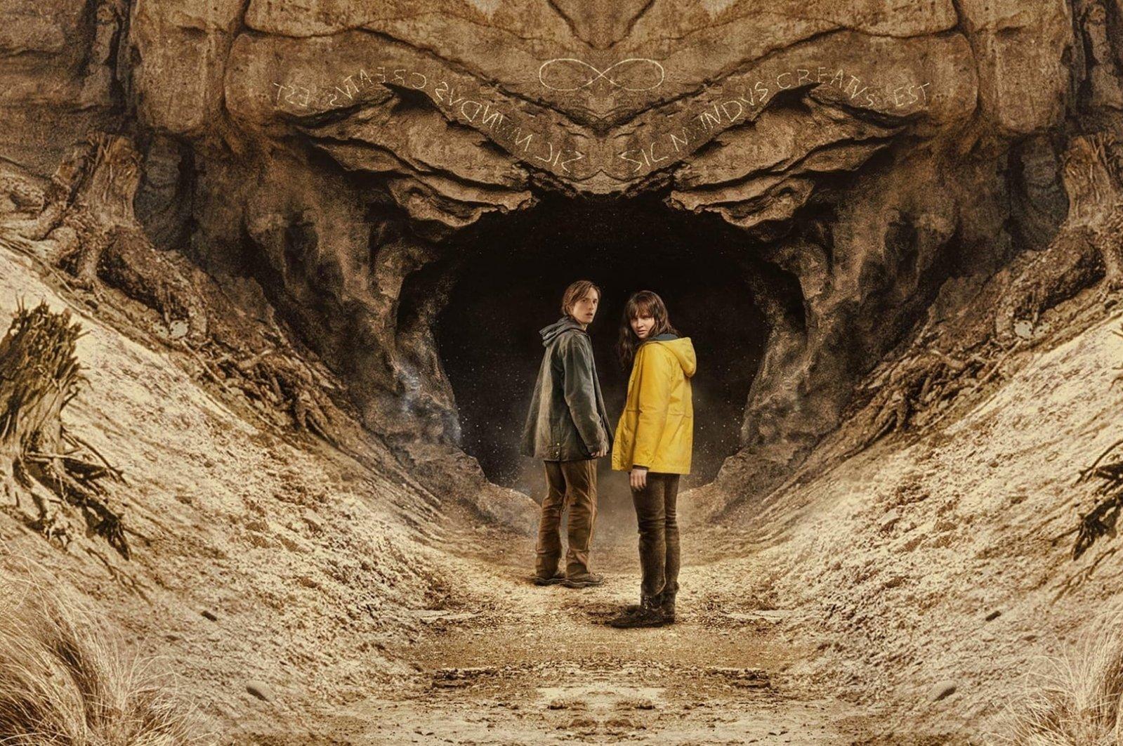 """Louis Hofmann (L) and Lisa Vicari in """"Dark."""""""