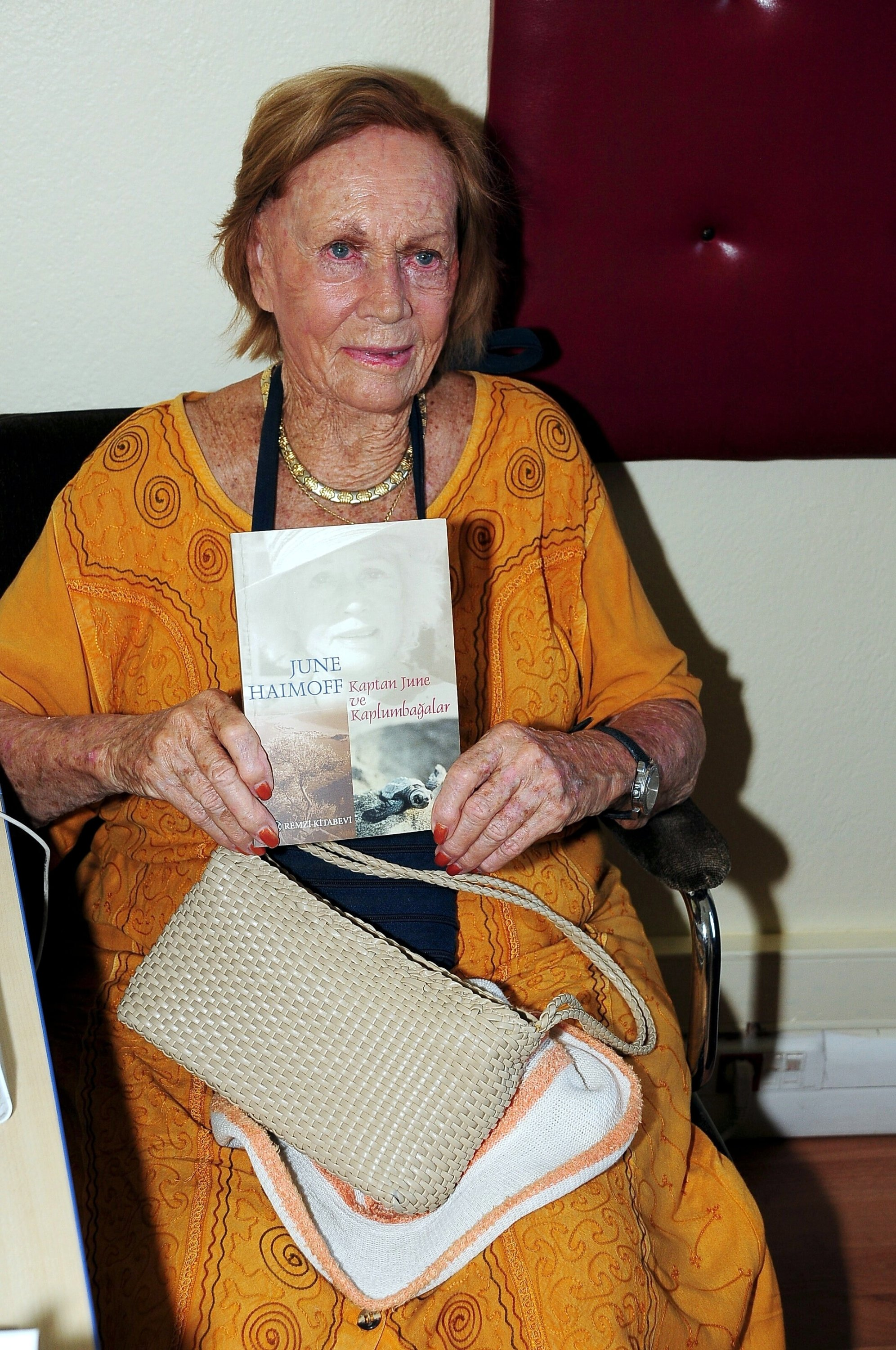 Better known by the sobriquet of captain, June Haimoff became a Turkish citizen at age 86. (File Photo)