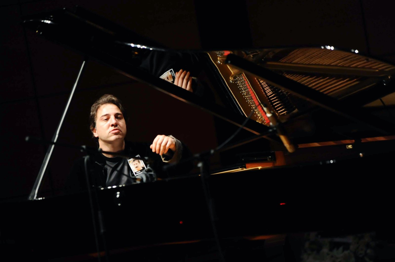 Fazıl Say seen during a concert in Istanbul, Turkey, June 23, 2010. (AP PHOTO)