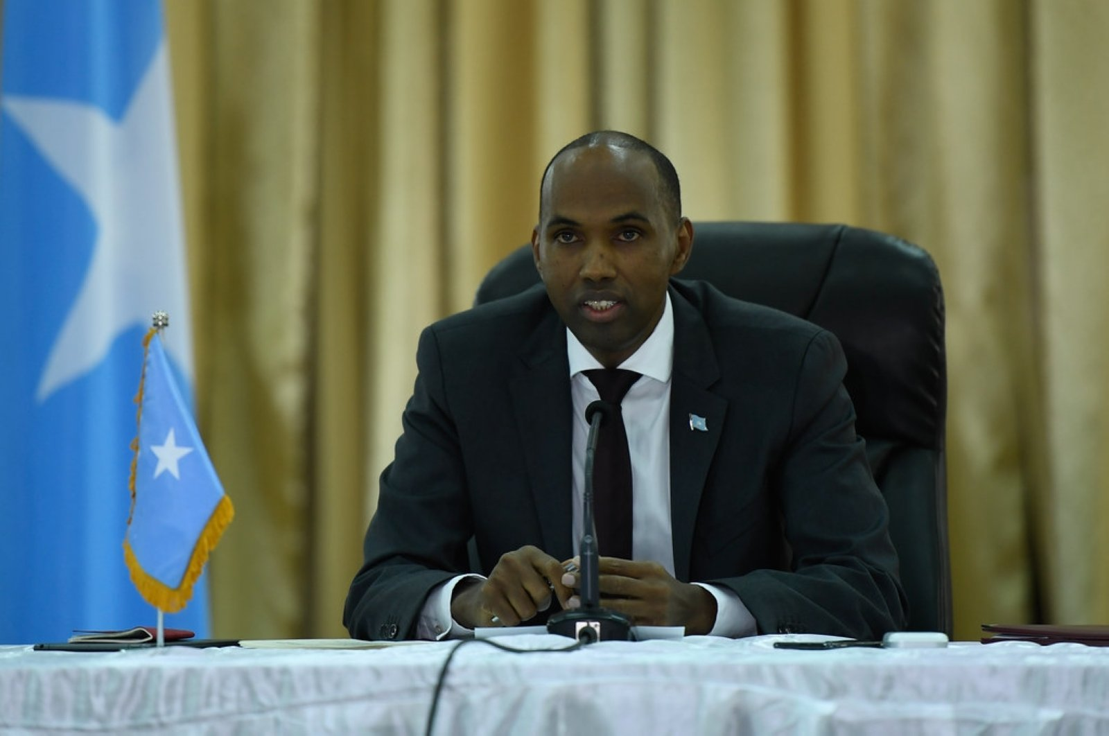 Somalian PM Hassan Ali Khaire chairs the security conference on review of joint operations by Somali National Army (SNA) and AMISOM in Mogadishu, Somalia on May 18, 2019. (AMISOM Photo)