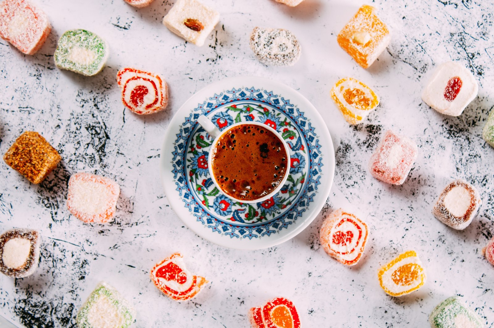 When in doubt, Turkish delight and a pack of Turkish coffee will always be a good gift idea. (iStock Photo)