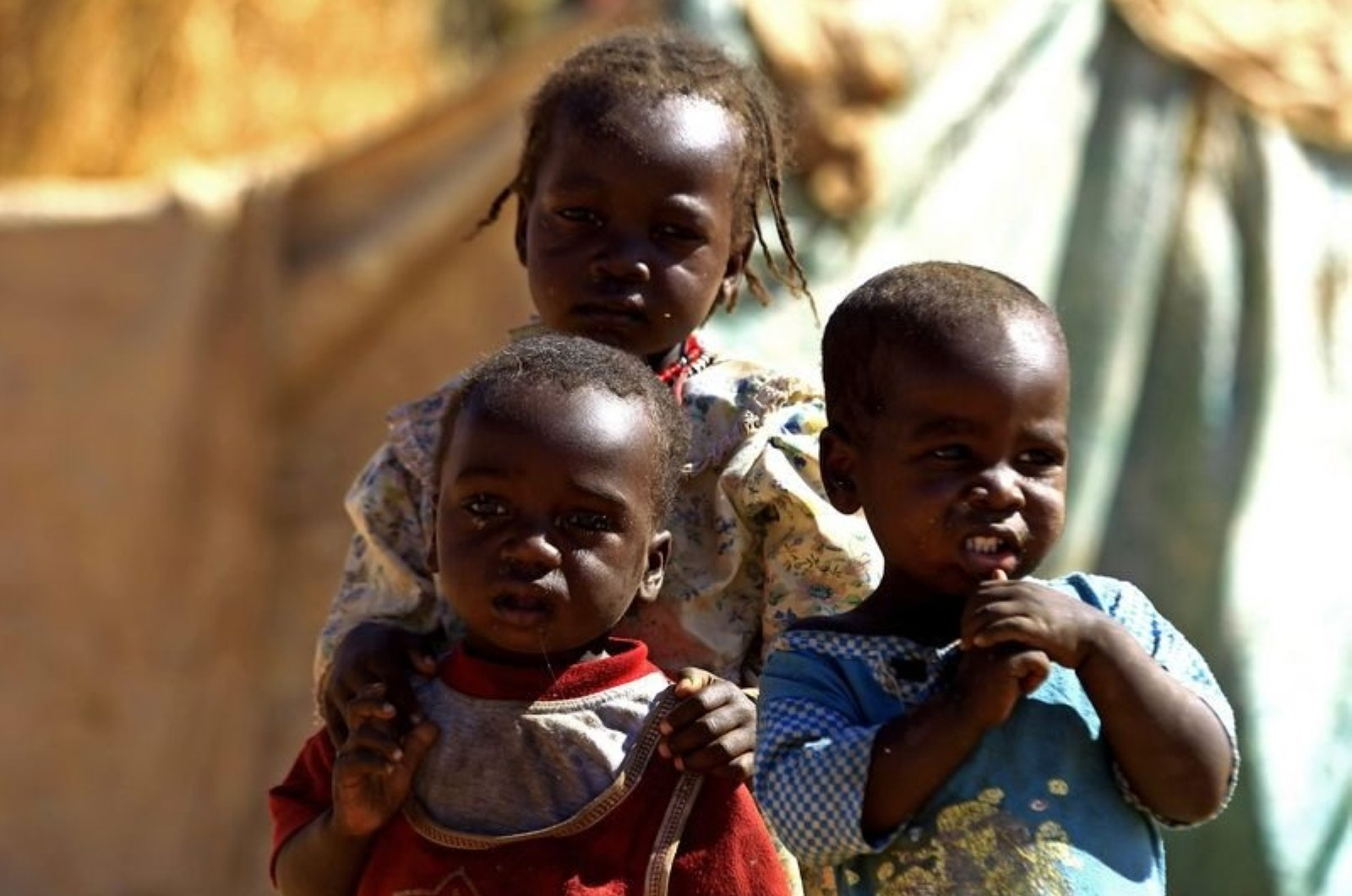 Children arrive at the Zamzam IDP camp for internally displaced persons (IDP), near El Fasher, North Darfur, Sudan, Feb. 4, 2015. (REUTERS Photo)