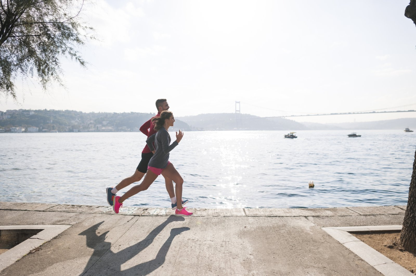 Running or doing sports outside is a good way to get moving and get some fresh air. (iStock Photo)