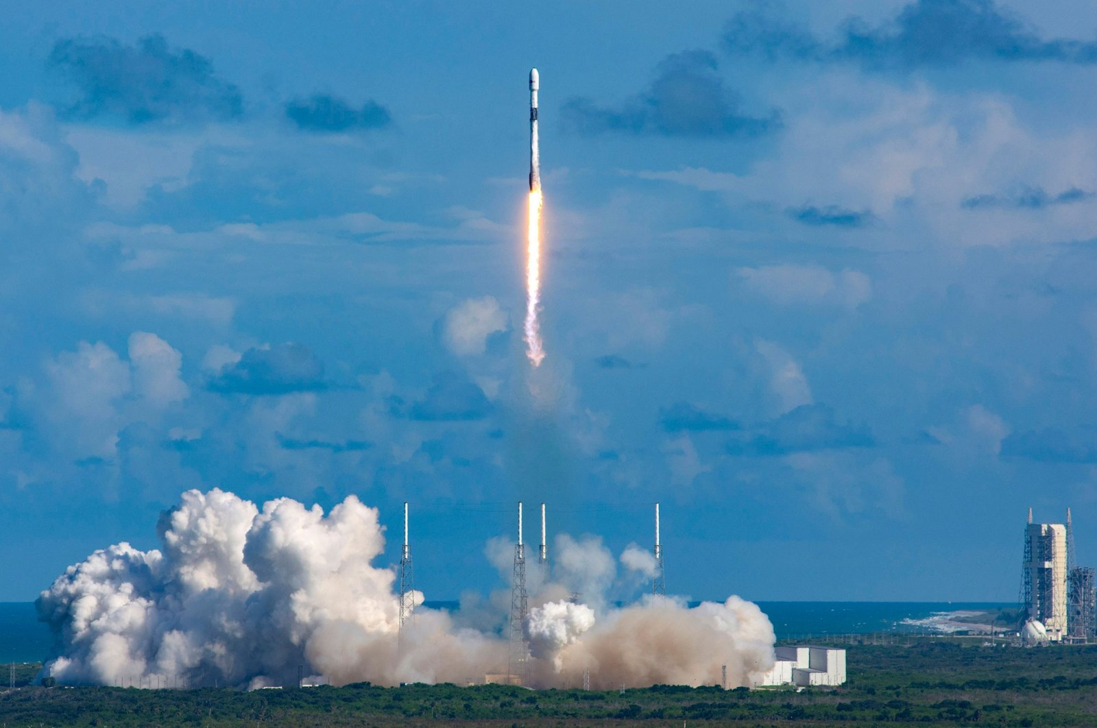 A Falcon 9 rocket carrying South Korea's ANASIS-II satellite blasts off from Cape Canaveral Air Force Station in Florida, U.S., July 20, 2020. (Handout photo from South Korea's Defense Acquisition Program Administration via AFP)