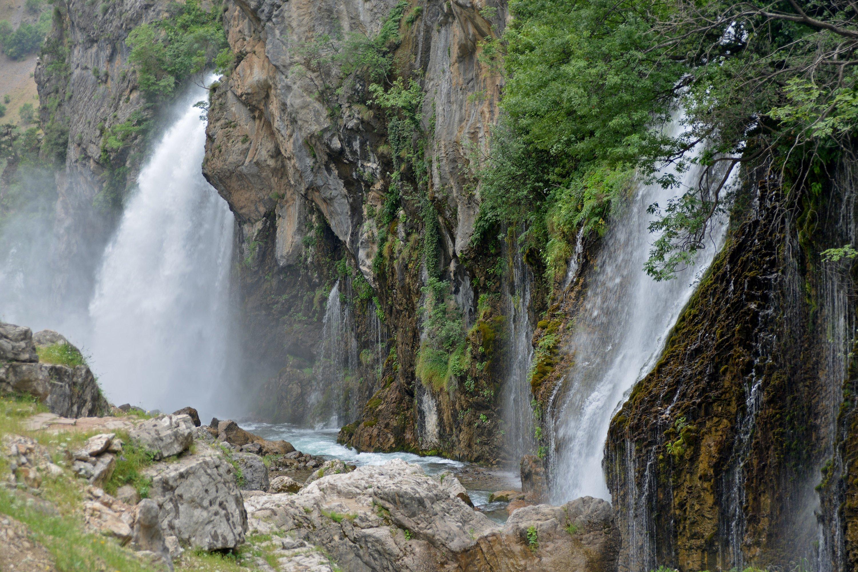Kapuzbaşı-fossene i Aladağlar nasjonalpark i Sør-Tyrkia er blant landets mest uvanlige fossefall.  (iStock Photo)