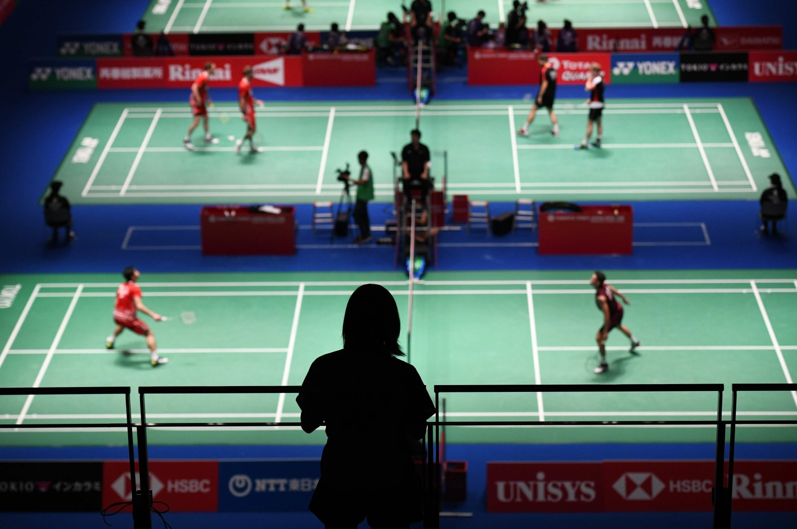 A girl watches matches at the Japan Open, in Tokyo, Japan, Sept. 13, 2018. (AFP Photo)