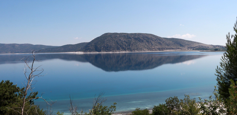 Një pamje e përgjithshme e Liqenit të Salda.  (Foto DHA)