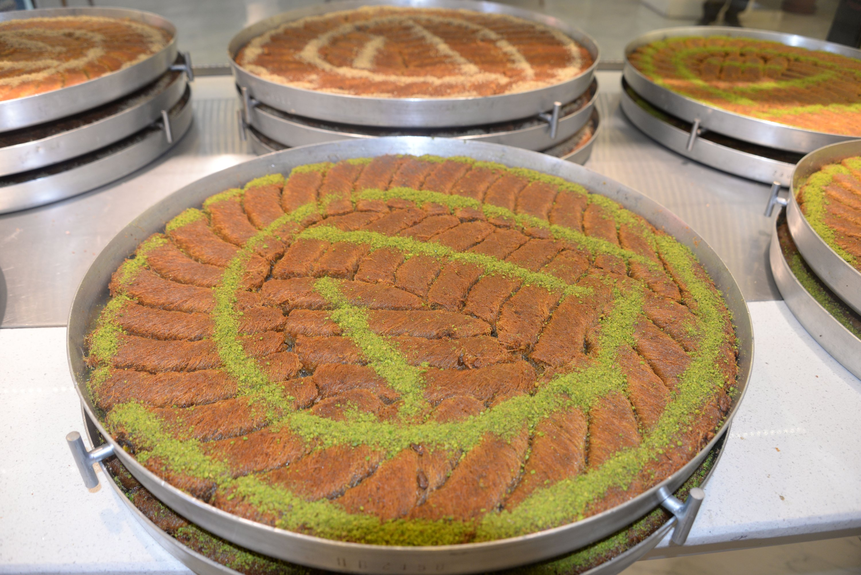 A traditional dessert of southeastern Turkey, Burma. (DHA Photo)