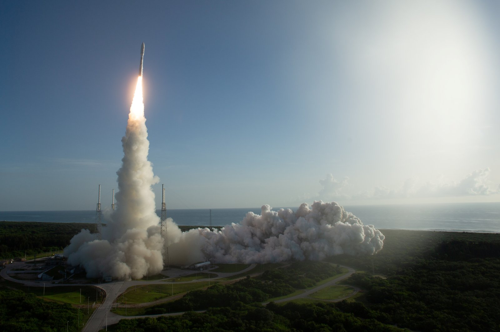 A United Launch Alliance Atlas V rocket carrying NASA's Mars 2020 Perseverance Rover vehicle takes off from Cape Canaveral Air Force Station in Cape Canaveral, Florida, U.S. July 30, 2020.  (NASA/Joel Kowsky/Handout via Reuters).