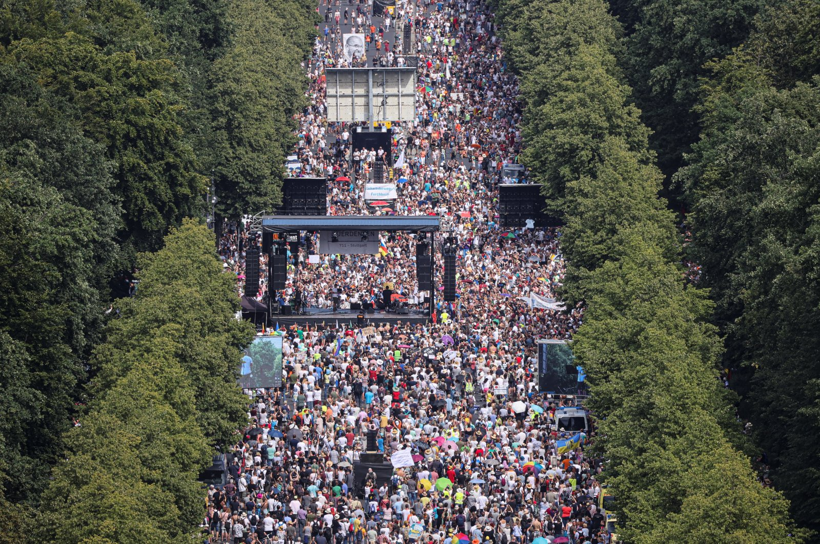 A general view shows a protest near the Brandenburg Gate against the government's restrictions amid the coronavirus disease (COVID-19) outbreak, in Berlin, Germany, August 1, 2020. (REUTERS Photo)
