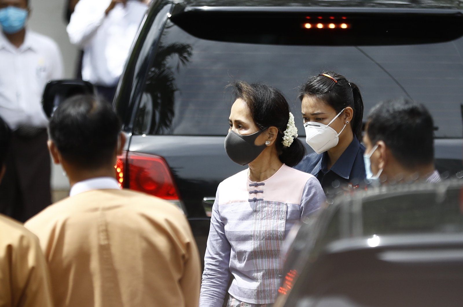 Myanmar State Counsellor Aung San Suu Kyi (C) arrives to perform her candidacy registration at the Union Election Commission Office at Thanlyin township in Yangon, Myanmar, Aug. 4, 2020. (EPA Photo)