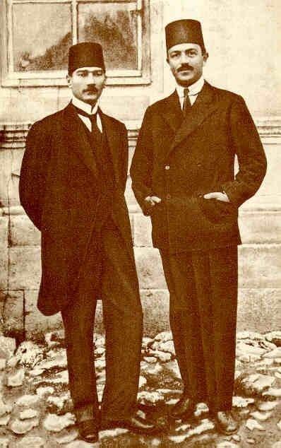 Mustafa Kemal Atatürk (L) and Rauf Orbay at the Sivas Congress.