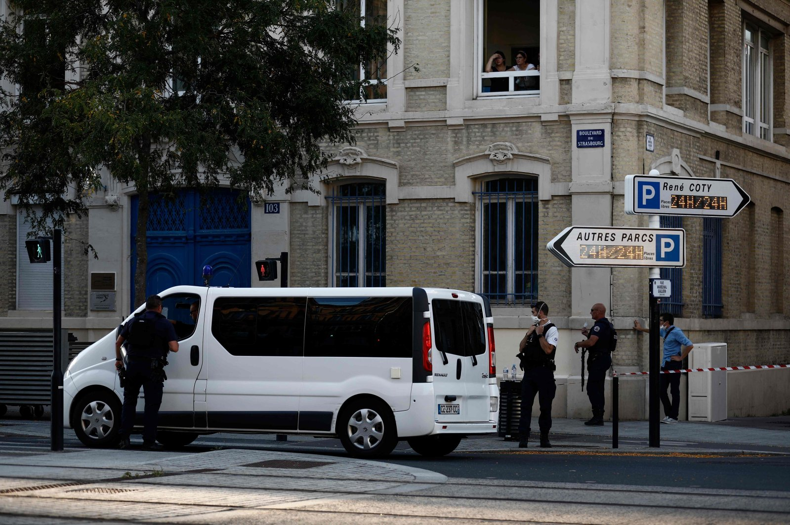 French police have cordoned off an area around a bank where an armed man allegedly holds five people as hostages according to police, in the port city of Le Havre, northwestern France, on August 6, 2020. (AFP Photo)