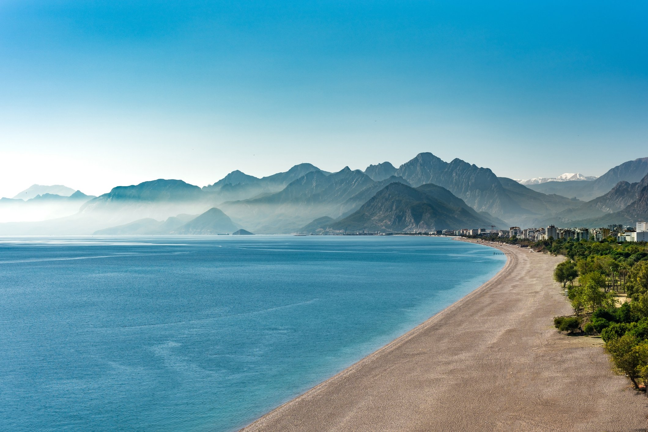 Konyaaltı beach is one of the most popular beaches in Antalya. (iStock Photo)