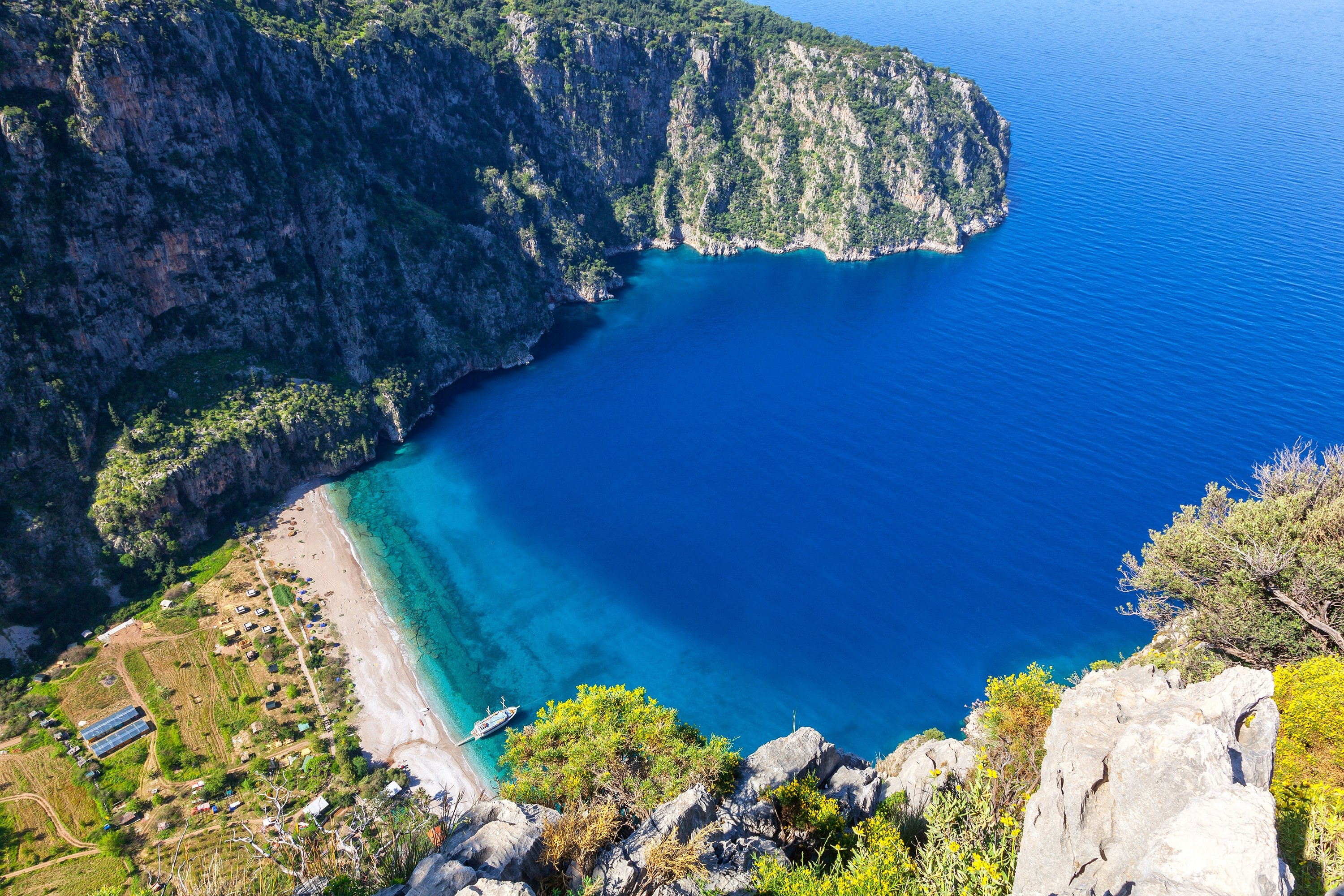 Kabak Beach offers visitors a secluded dip in the waters of the Mediterranean. (Shutterstock Photo)