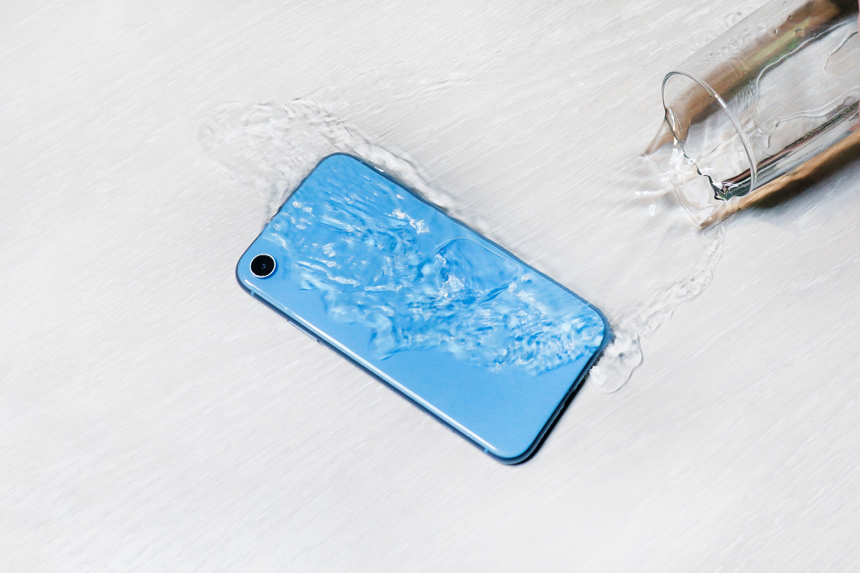 "There are very few people who can say that they have never accidentally ""wet"" their smartphones. (Shutterstock Photo)"