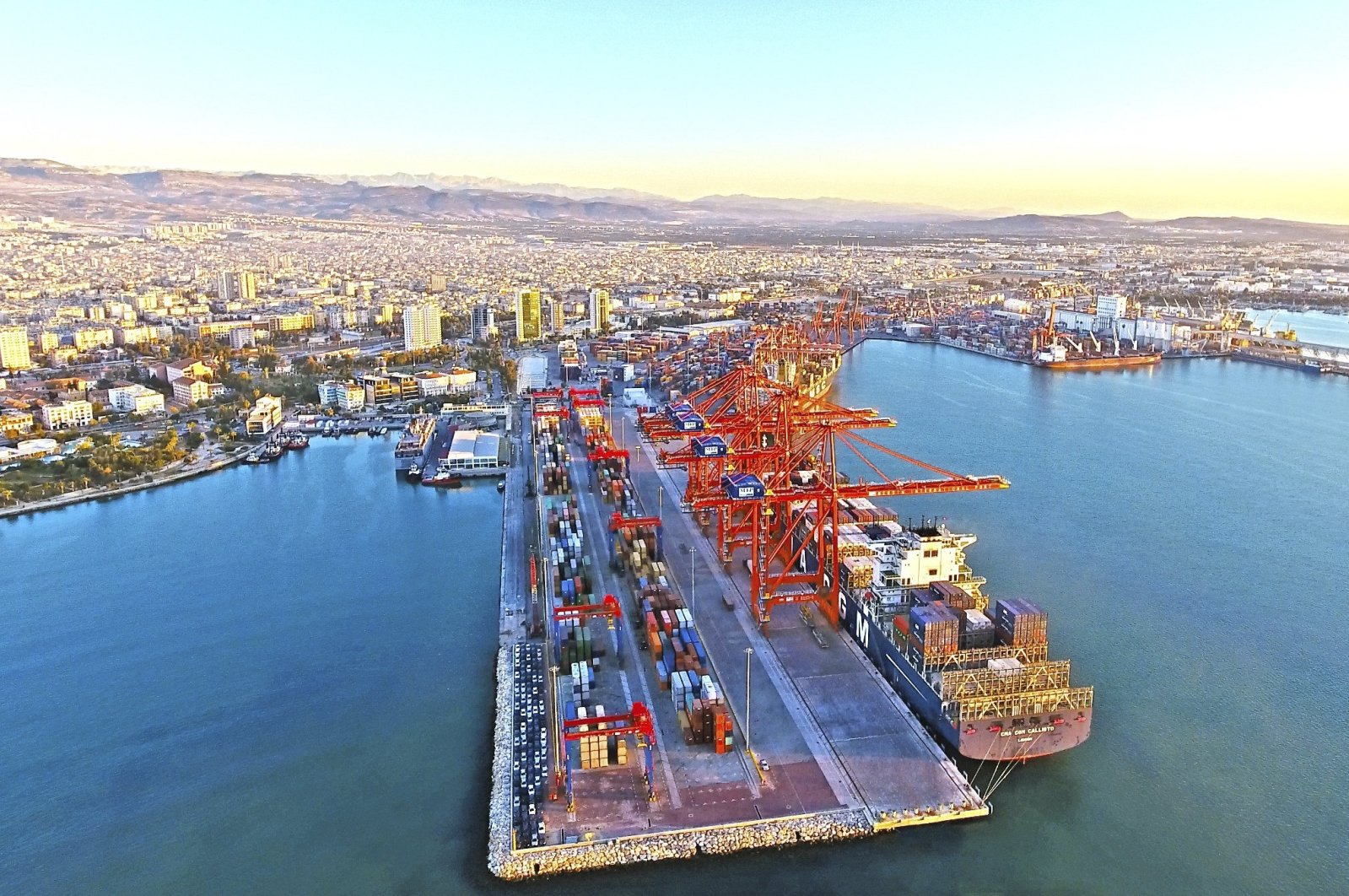 Turkey's one of the leading ports in the southern province of Mersin, Sept. 8, 2019. (İHA Photo)