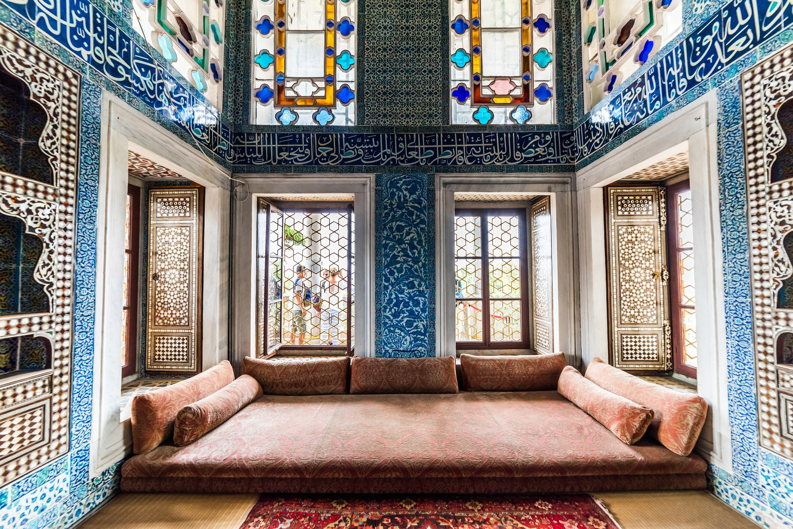 A room with Ottoman decoration in Topkapı Palace, Istanbul. (Shutterstcok Photo)